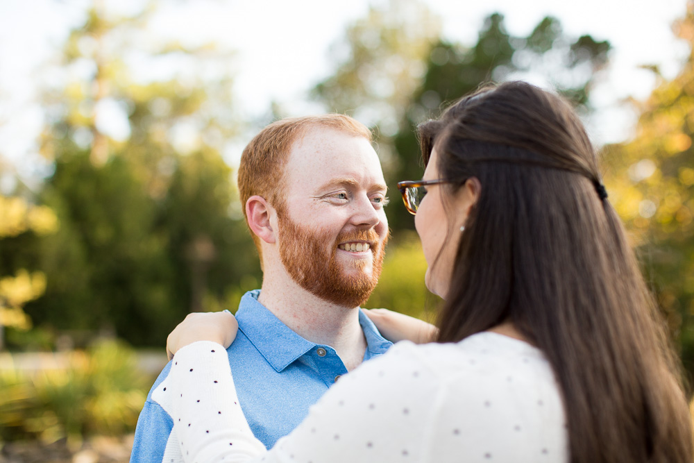 Bright and colorful engagement pictures in Northern Virginia