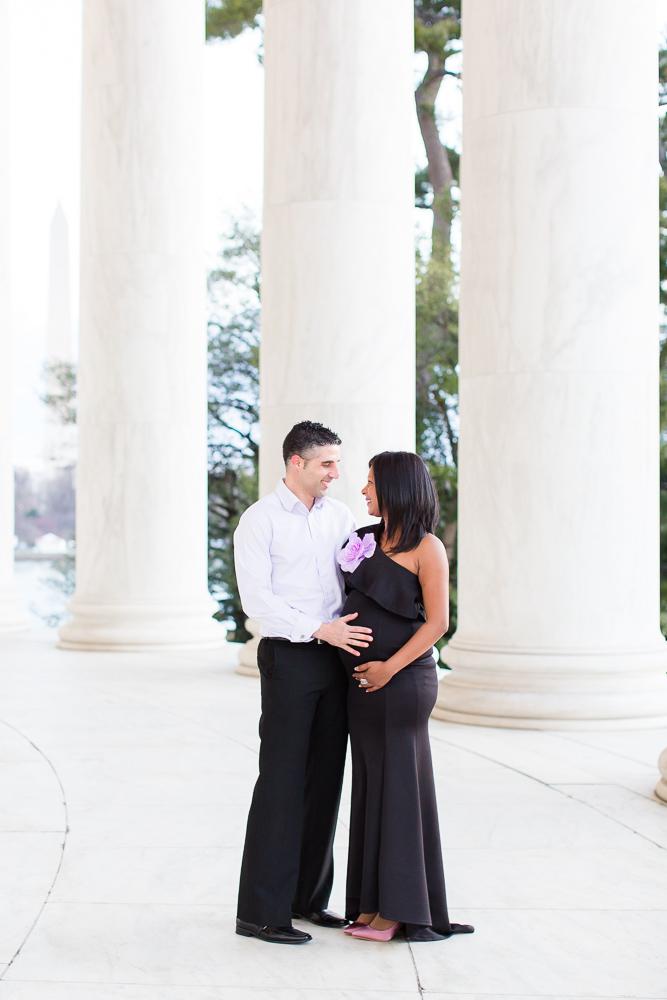 Maternity session at the Jefferson Memorial | Washington DC Maternity Photographer