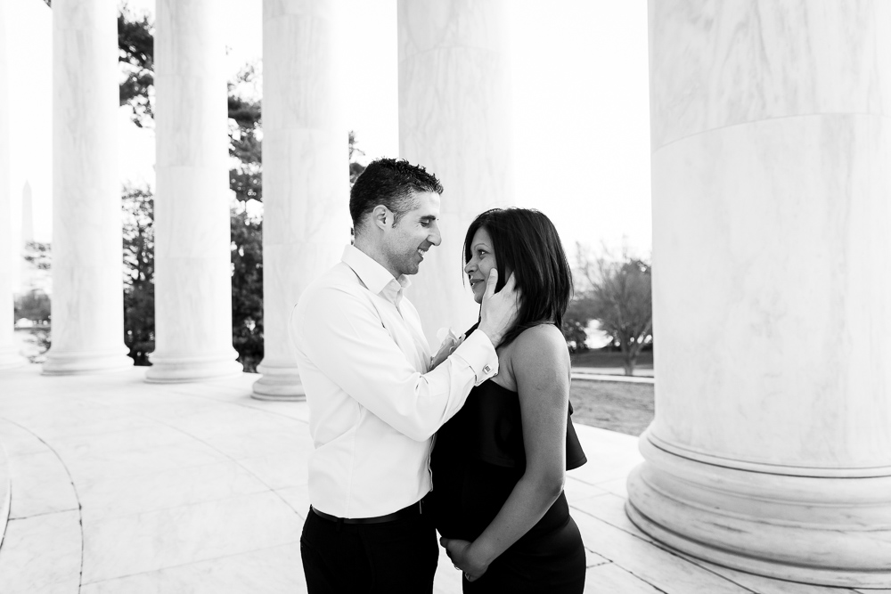 Husband and wife at the Jefferson Memorial | Washington DC Photographer