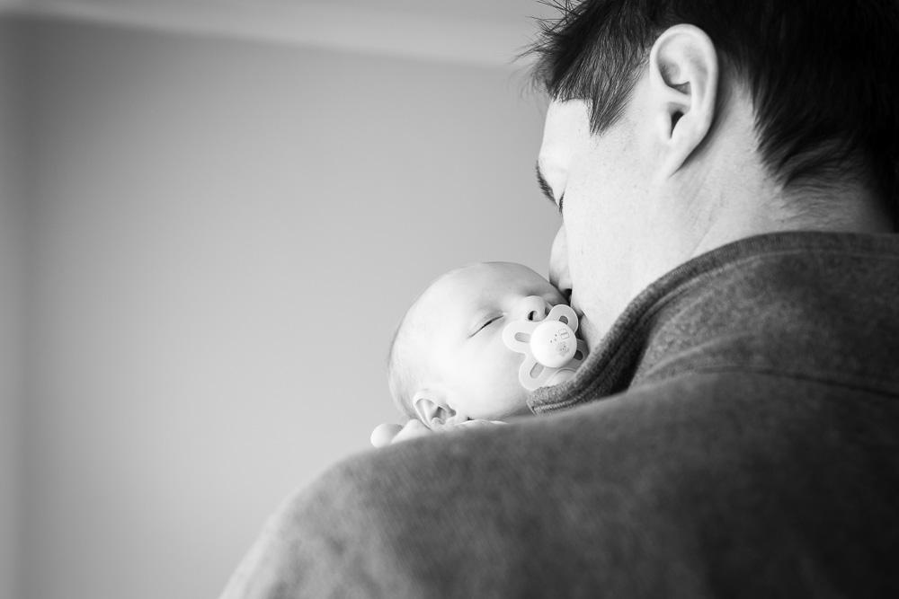 lifestyle-newborn-and-dog-photographer-rochester-ny-38.jpg