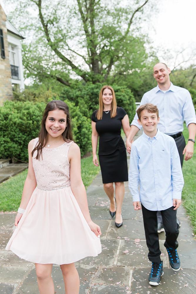 Candid family photo during the Bat Mitzvah | Candid Maryland Bat Mitzvah Photographer | Megan Rei Photography