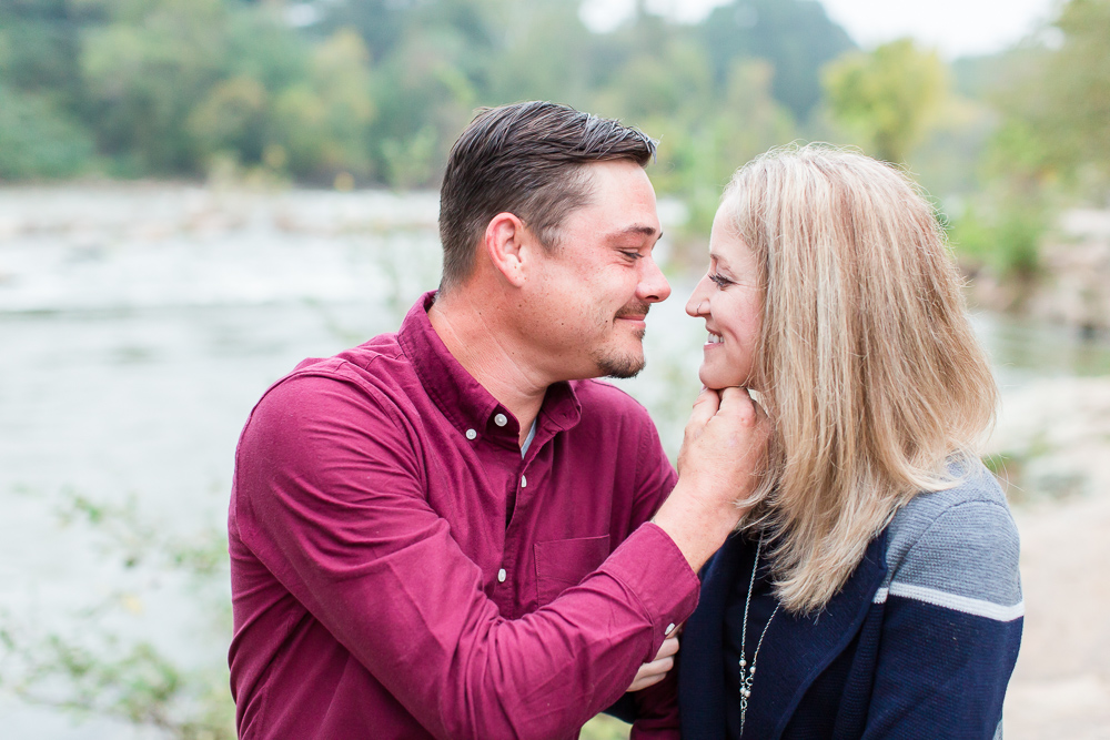 Leaning in for a kiss during a Northern Virginia engagement session