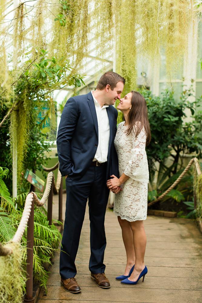 Wedding photo ideas at the Buffalo Botanic Gardens