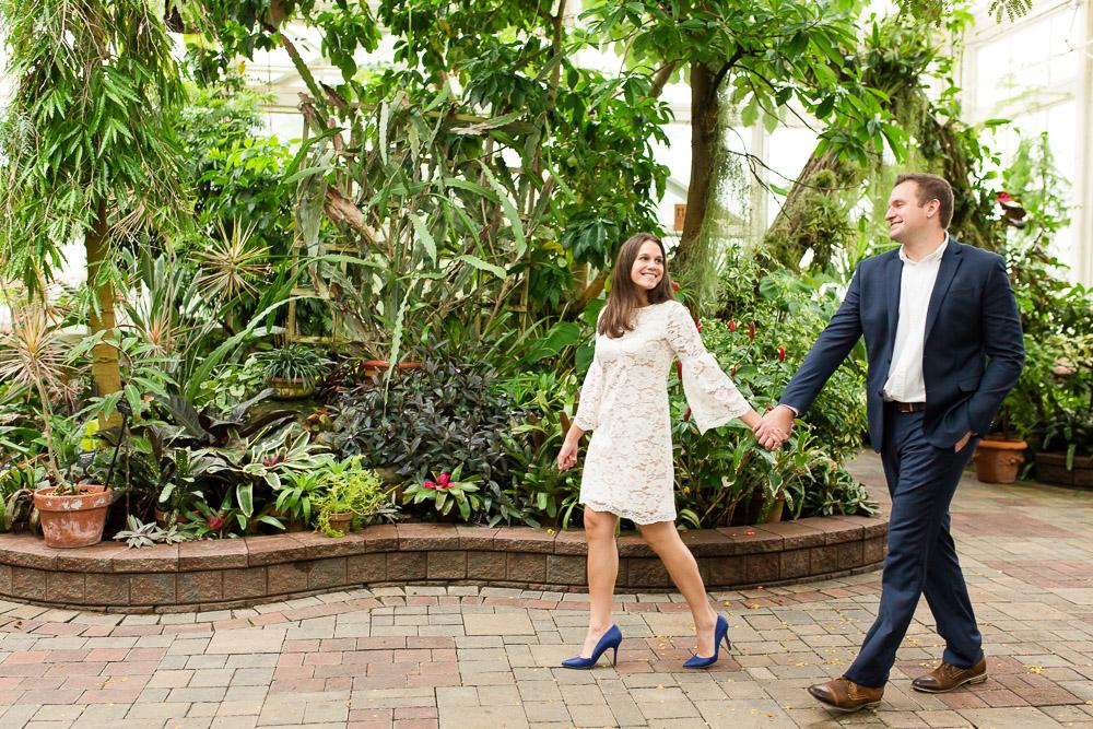 Wedding photo inspiration for a Buffalo Botanical Gardens wedding