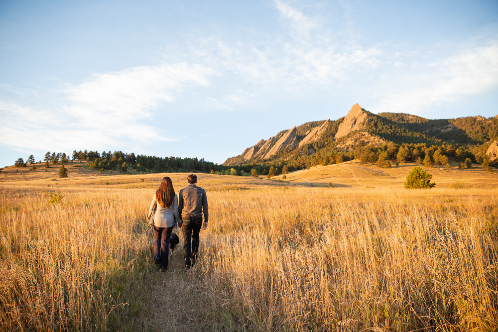 Hiking at the Flatirons in Chautauqua Park | Dog-friendly hikes in Boulder, Colorado