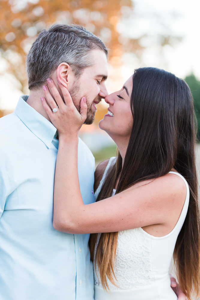 Candid engagement session at the Jefferson Memorial