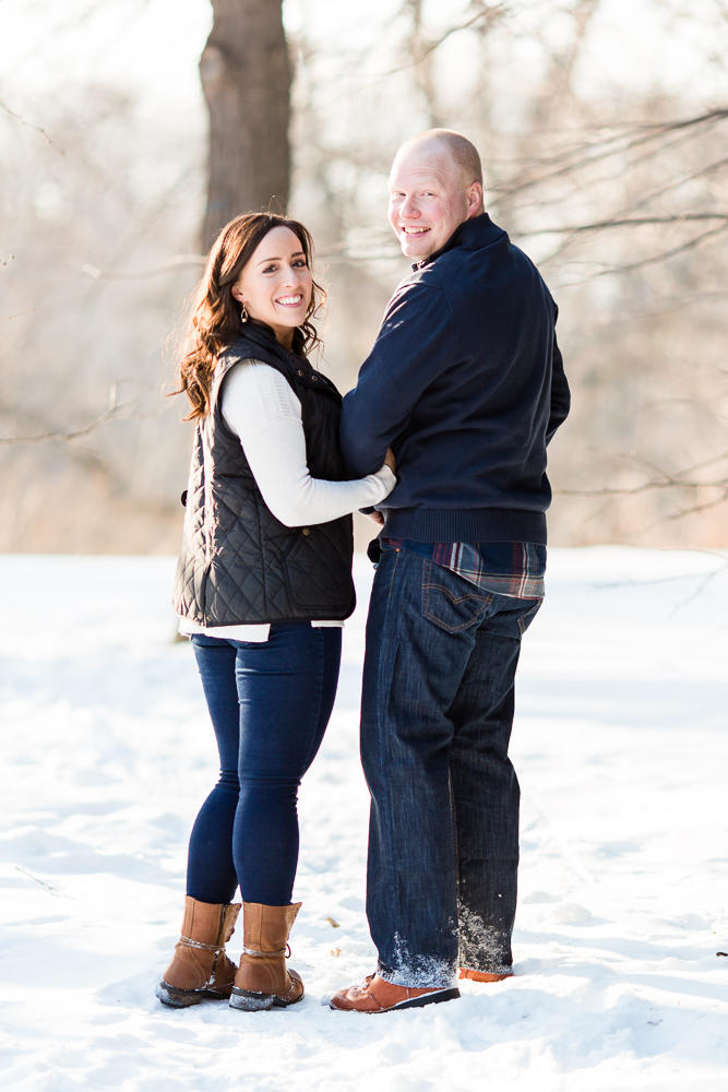 A snowy couples photo shoot in Highland Park