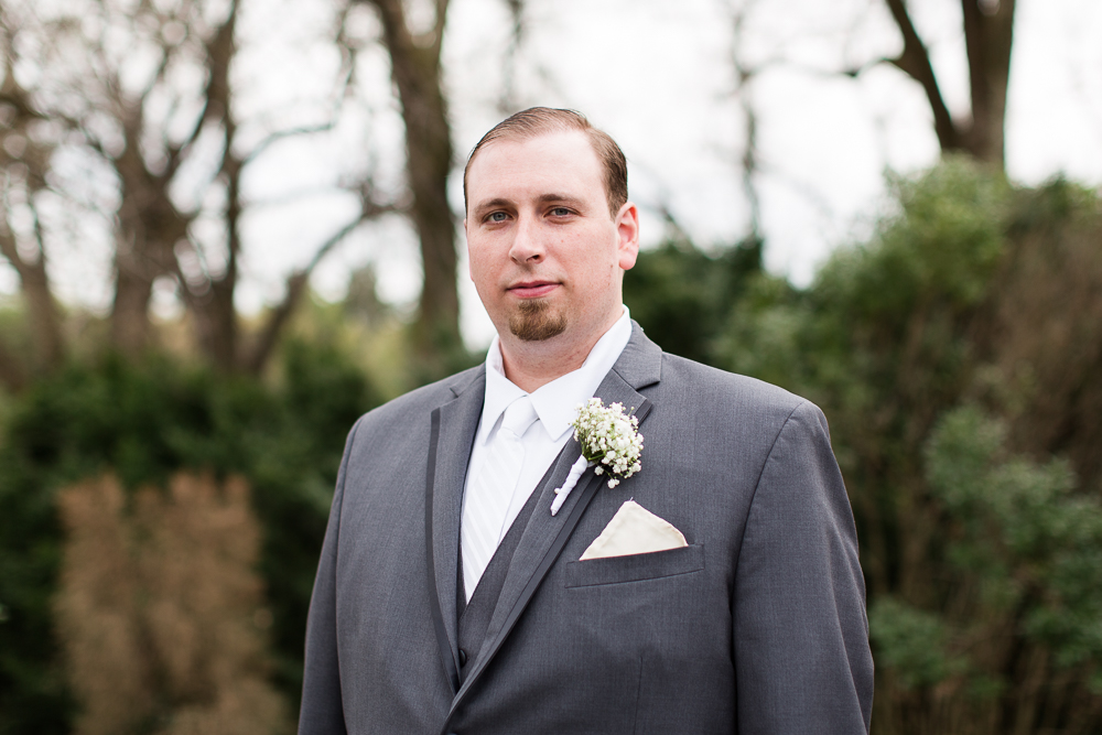 Groom portrait | Warrenton, Virginia wedding