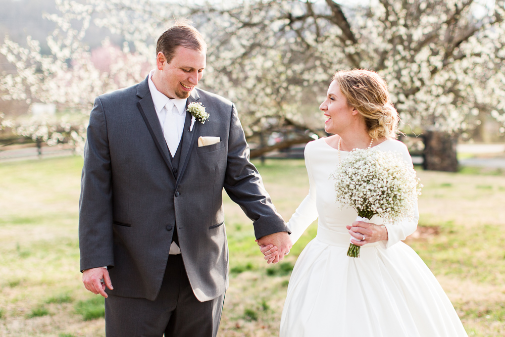 Black Horse Inn spring wedding pictures with flowering cherry blossom tree