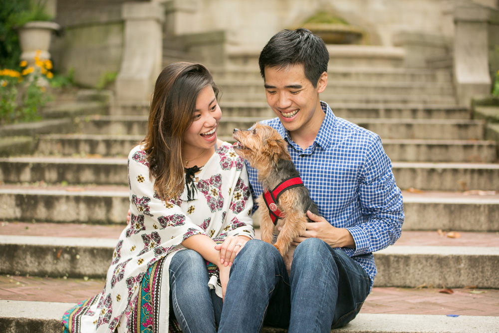 Advice for having DC engagement pictures with dogs | Couple with their dog on the Spanish Steps