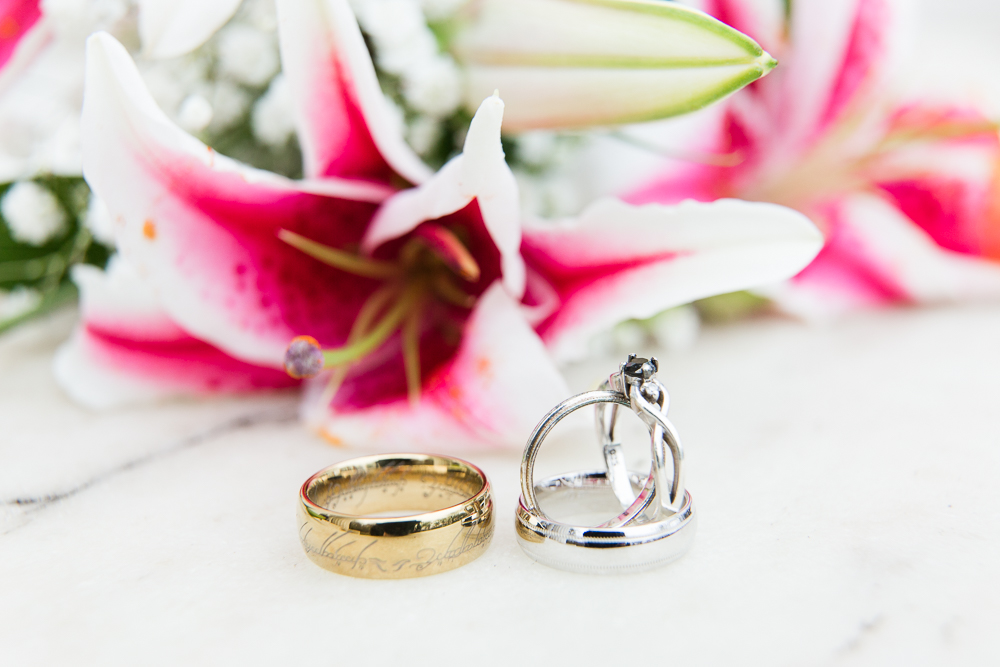 "Wedding rings with a Lord of the Rings ""One Ring"""