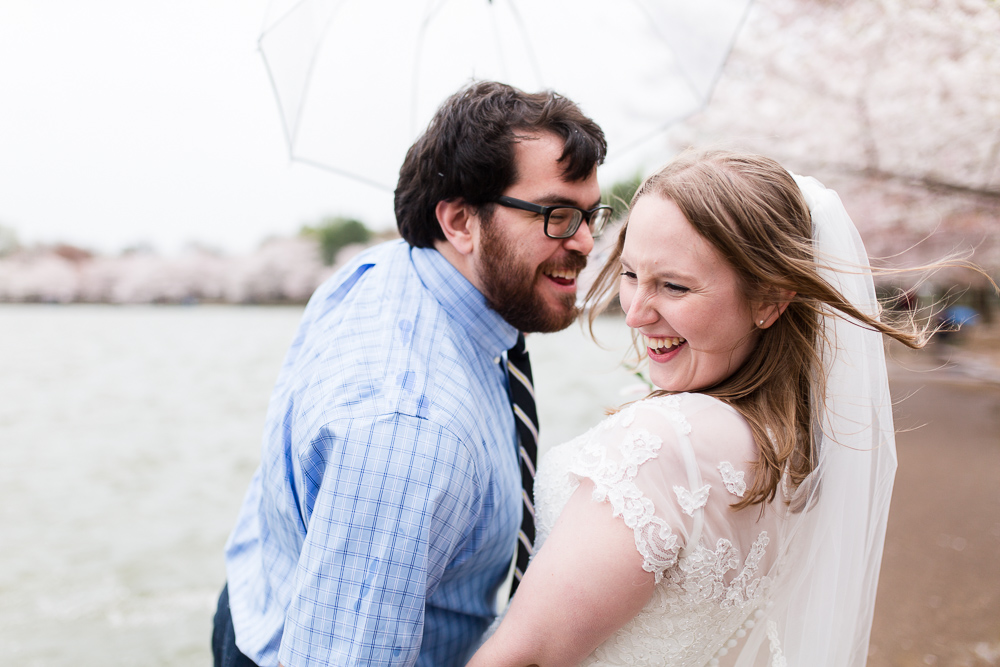 Candid wedding photos at the Tidal Basin during the cherry blossom festival