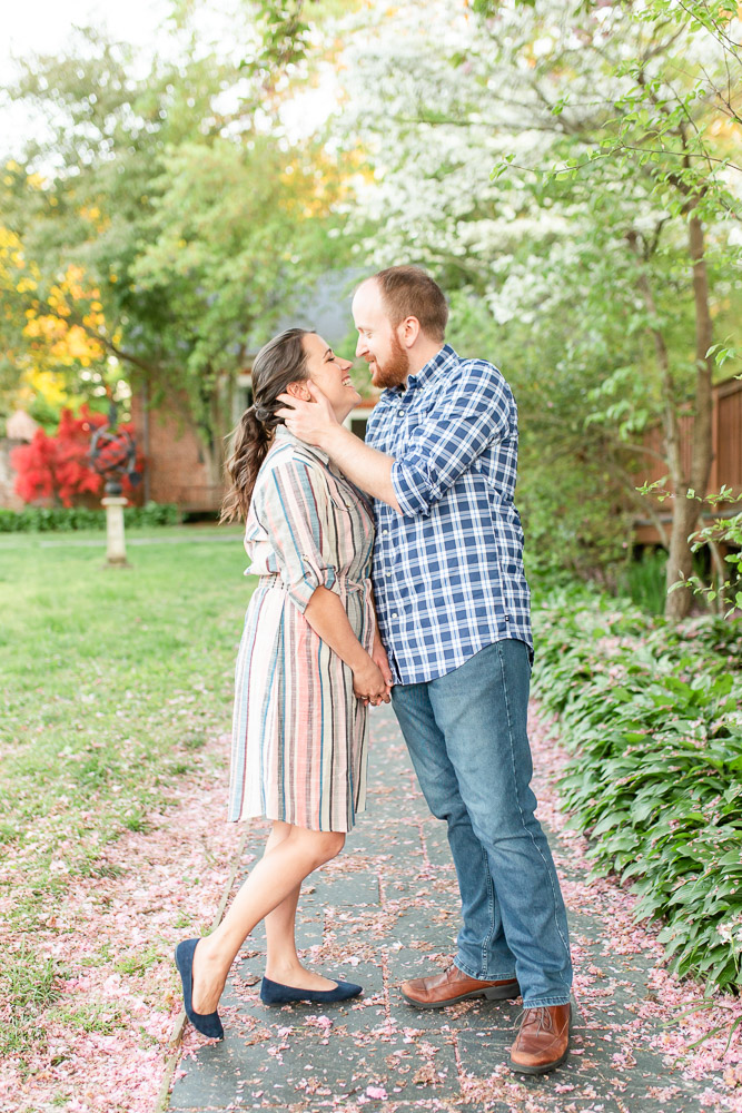 chatham-manor-fredericksburg-engagement-pictures-104.jpg