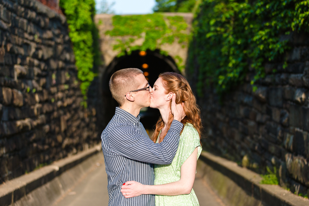 old-town-alexandria-engagement-photos-34.jpg