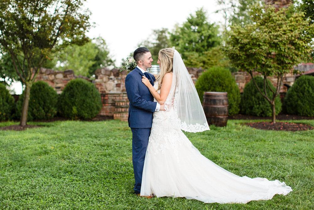 winery-at-bull-run-wedding-170.jpg