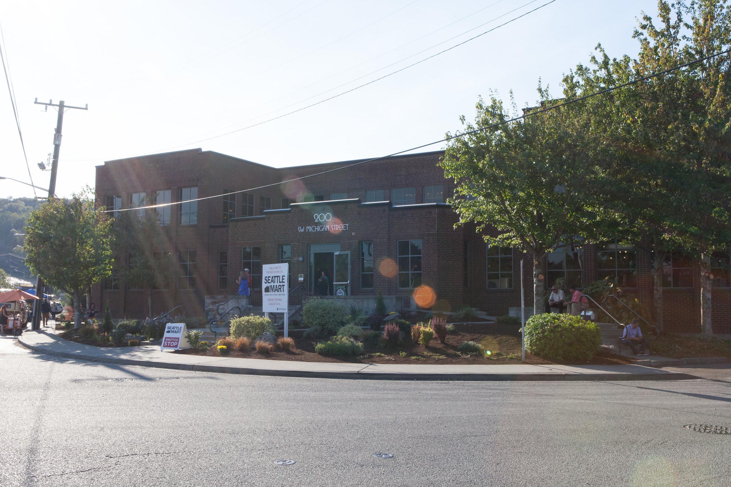 SeattleMart_GrandOpening_82016-102.jpg