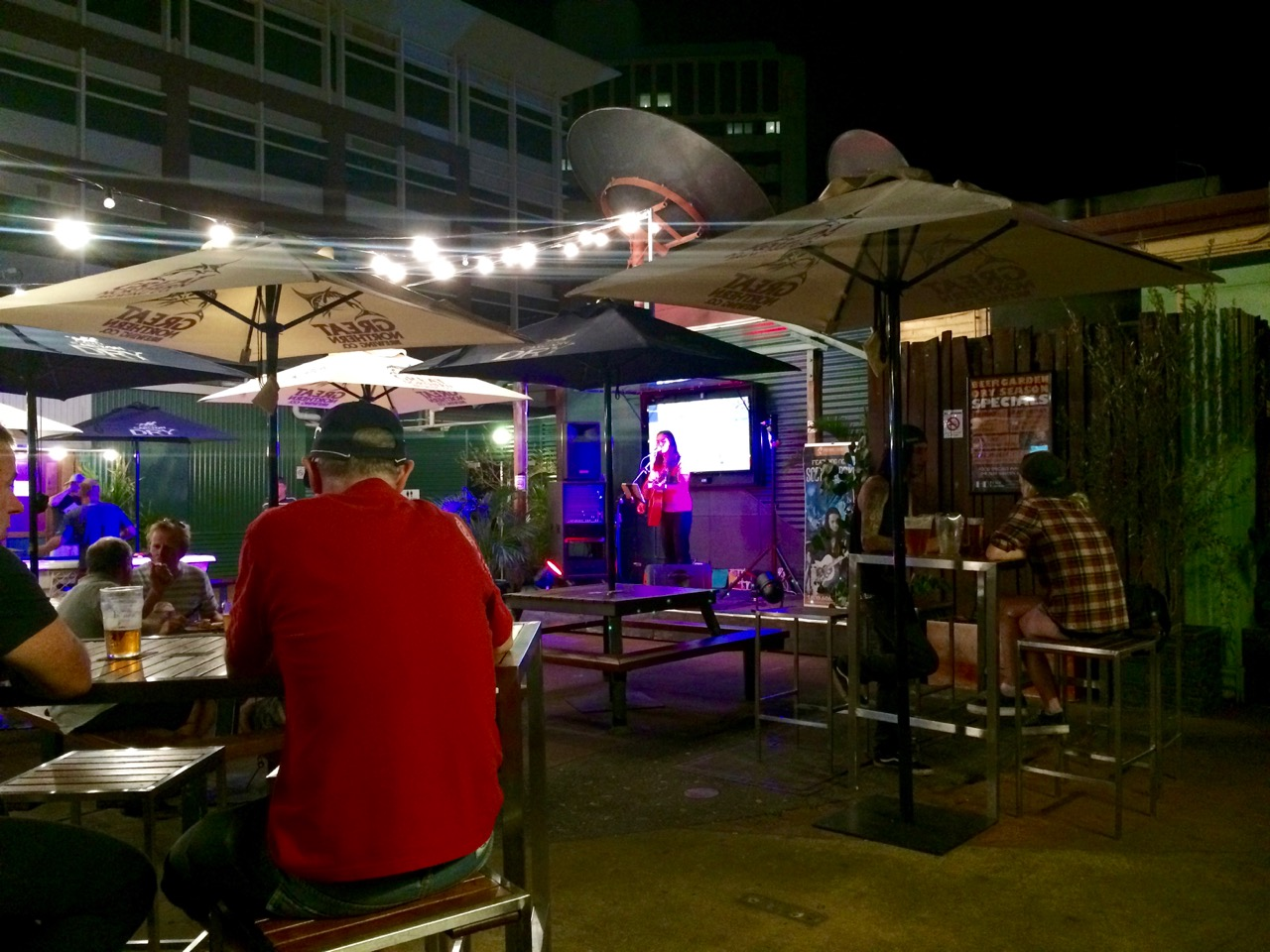 Live music at Hotel Darwin