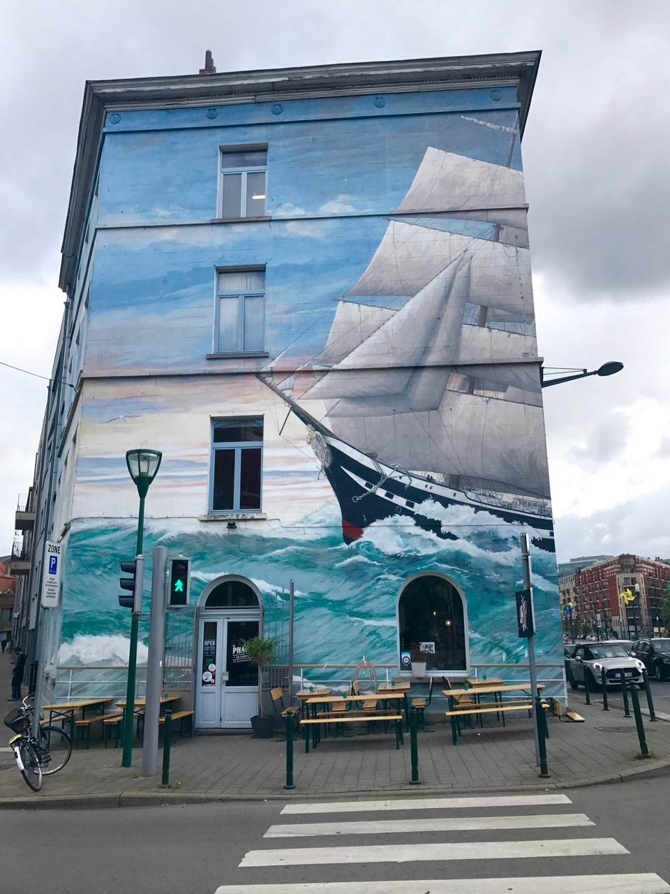 Brussels wins the award for most amazing street art, especially the comic book strip!!