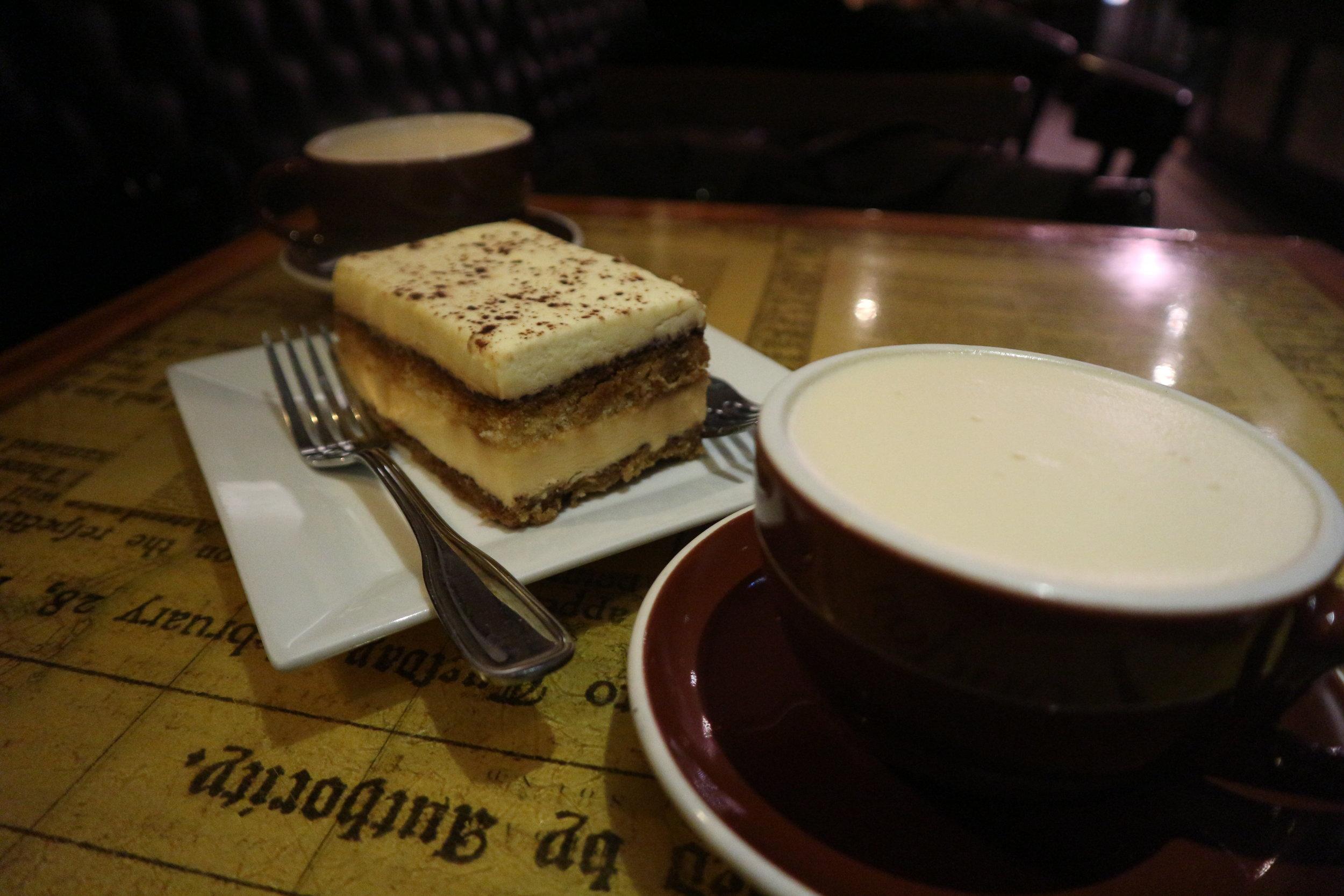 Thinking Cup: Chai Latte & Tiramisu