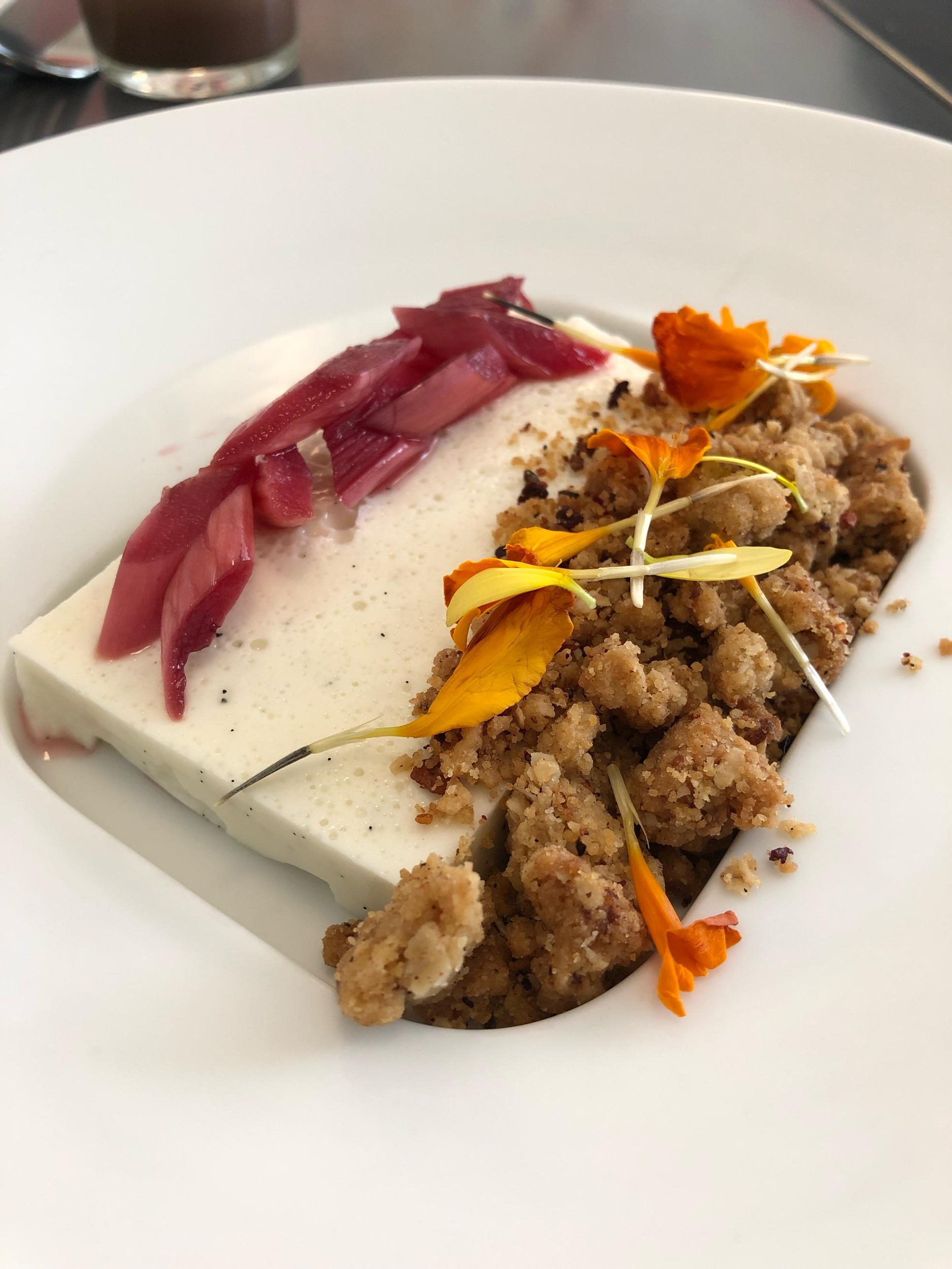 Panna Cotta with rhubarb and granola