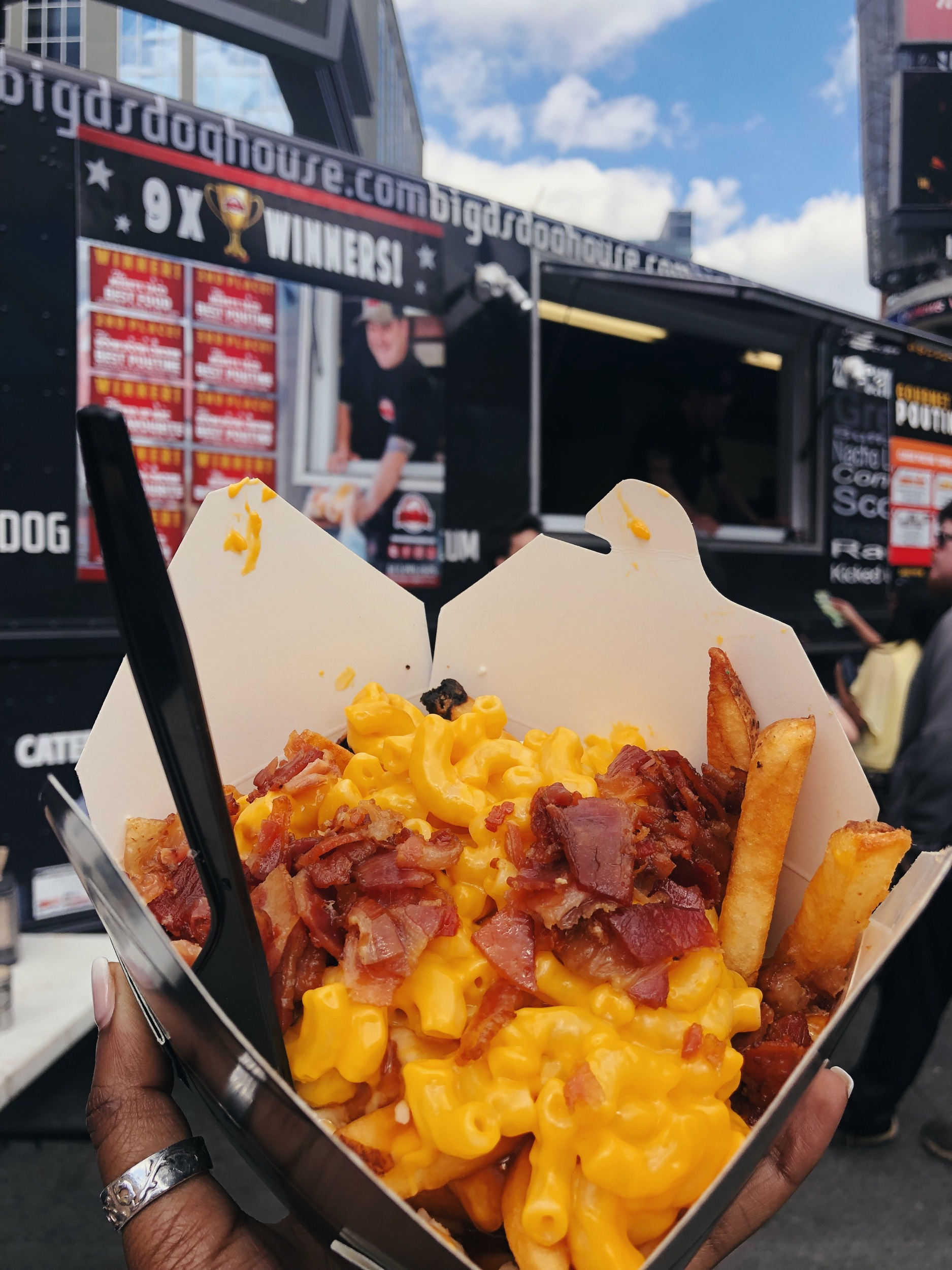 Mac n Cheese Poutine from Big Ds Doghouse