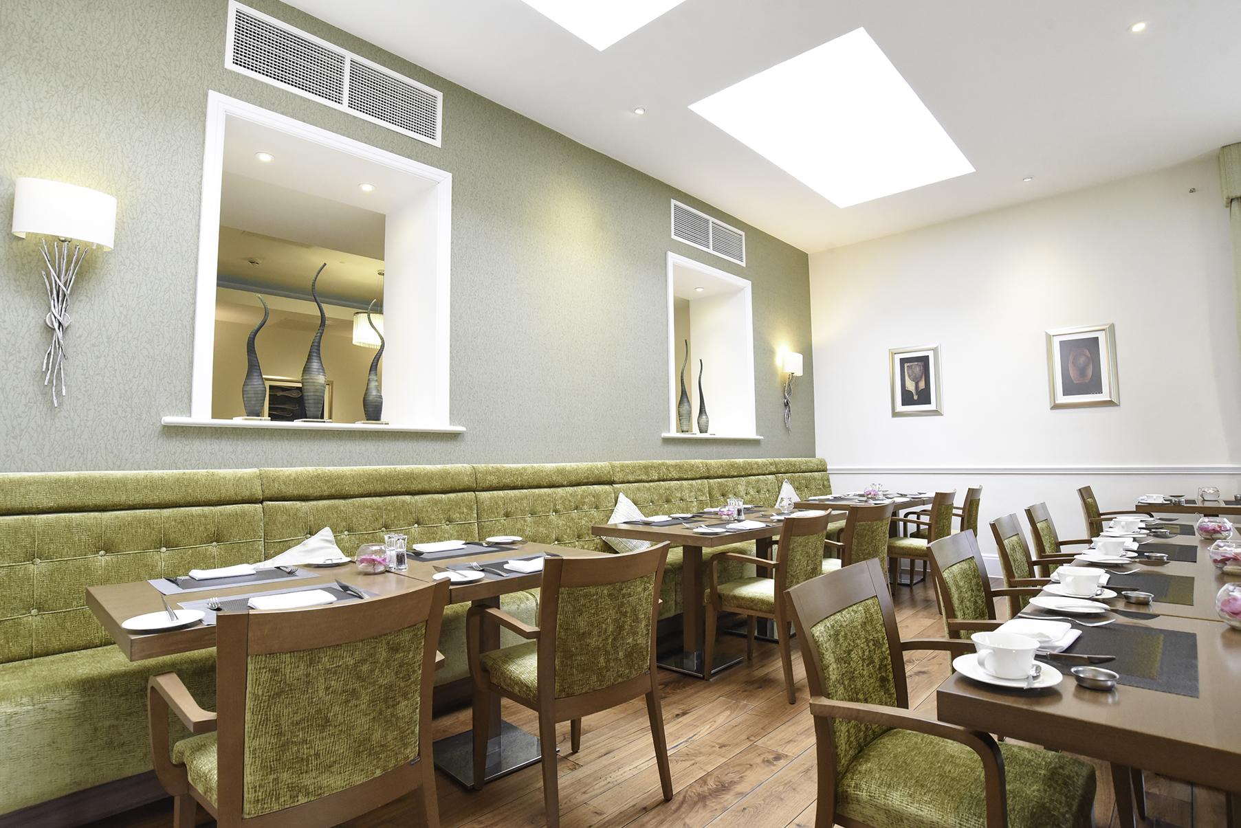 restaurant snug.jpg
