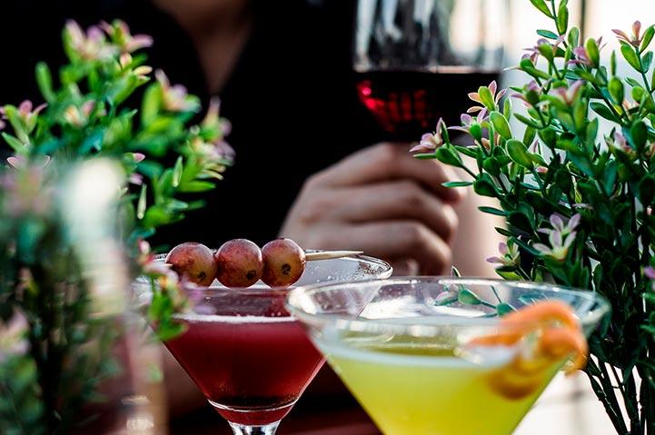 Vi serverer en smakfull drikkemeny som kan nytes til den flotte utsikten over hele Oslo.