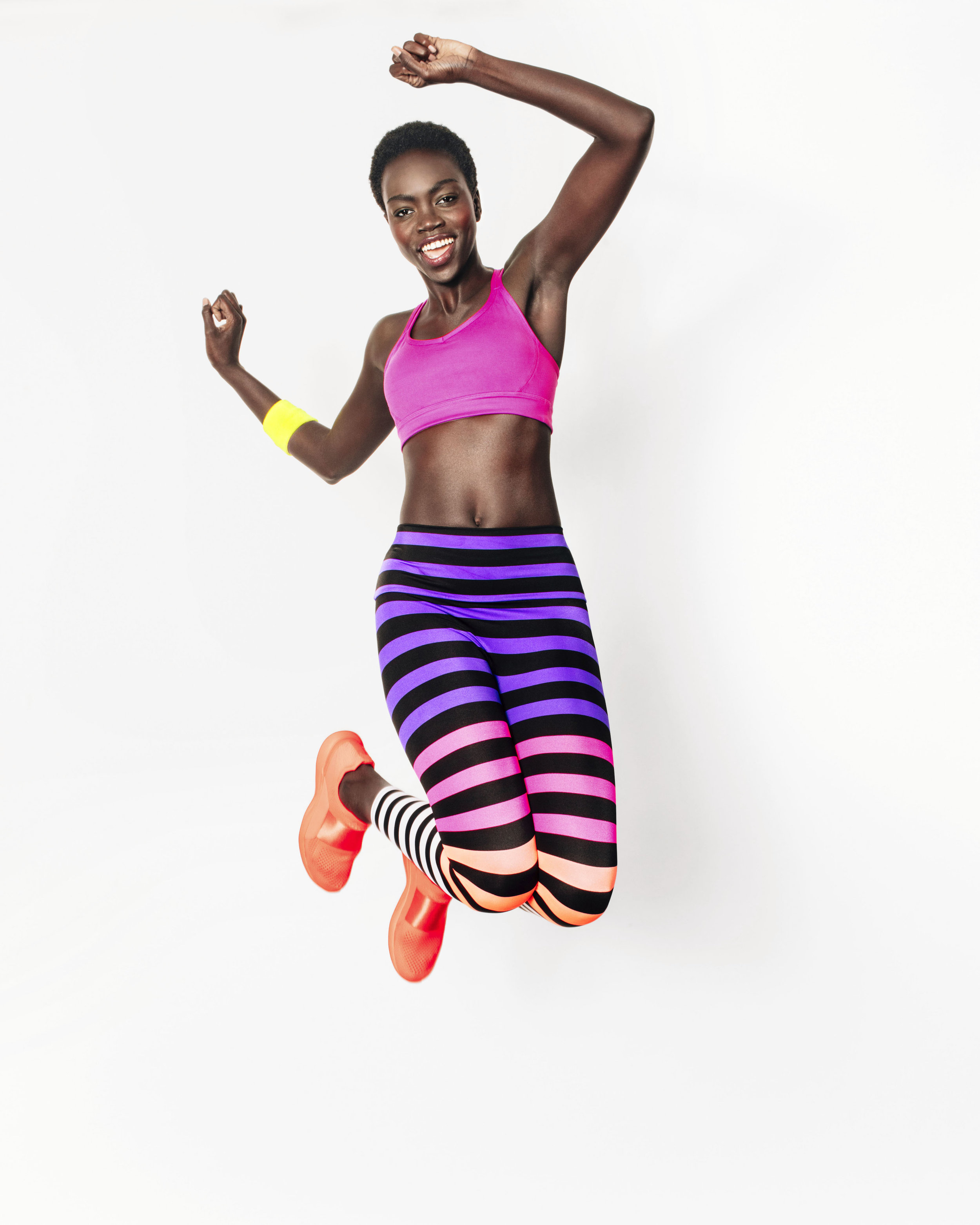 WHM100118WUFitnessWOClothes001.jpg