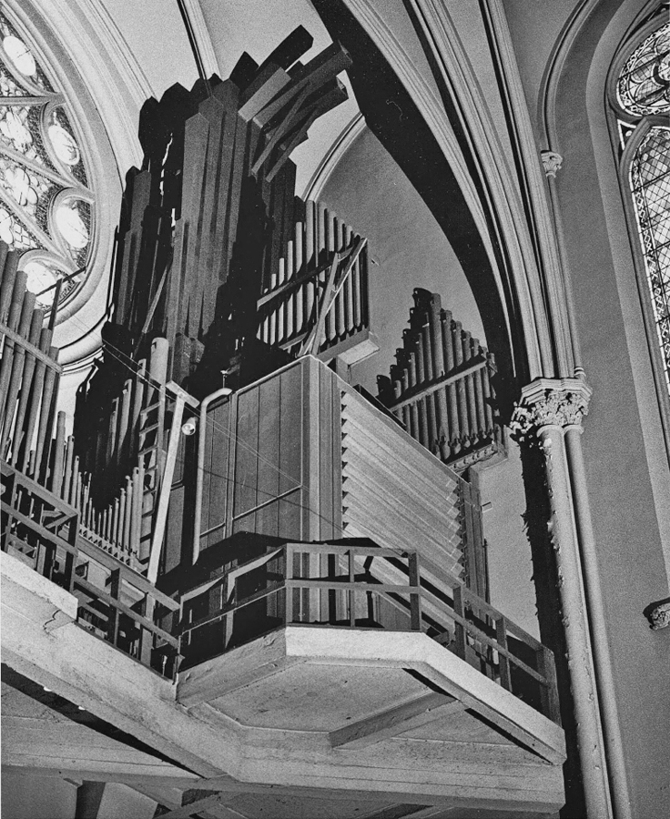 The organ in 1942