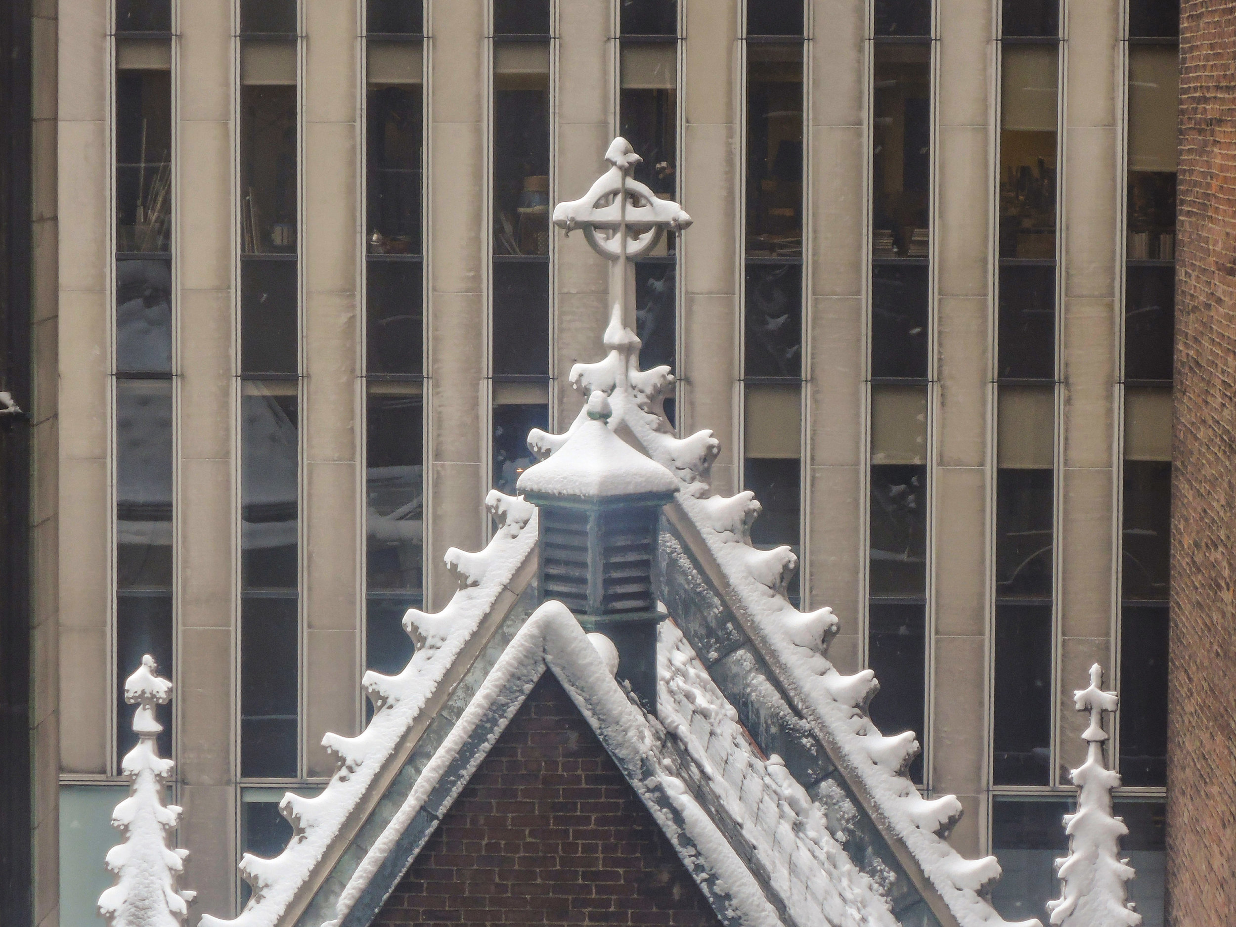 Snow on the Lady Chapel roof