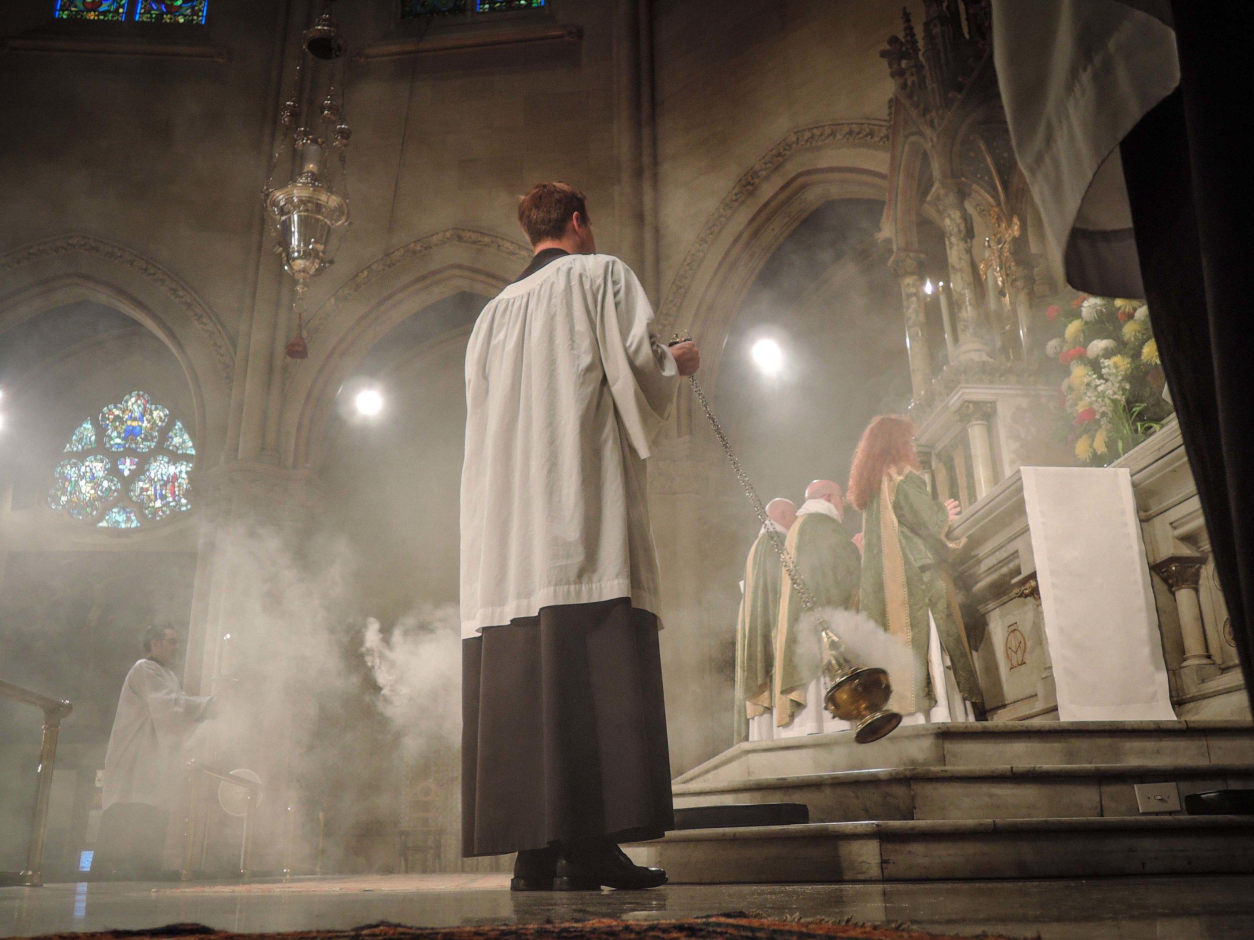 At the singing of Sanctus et Benedictus.