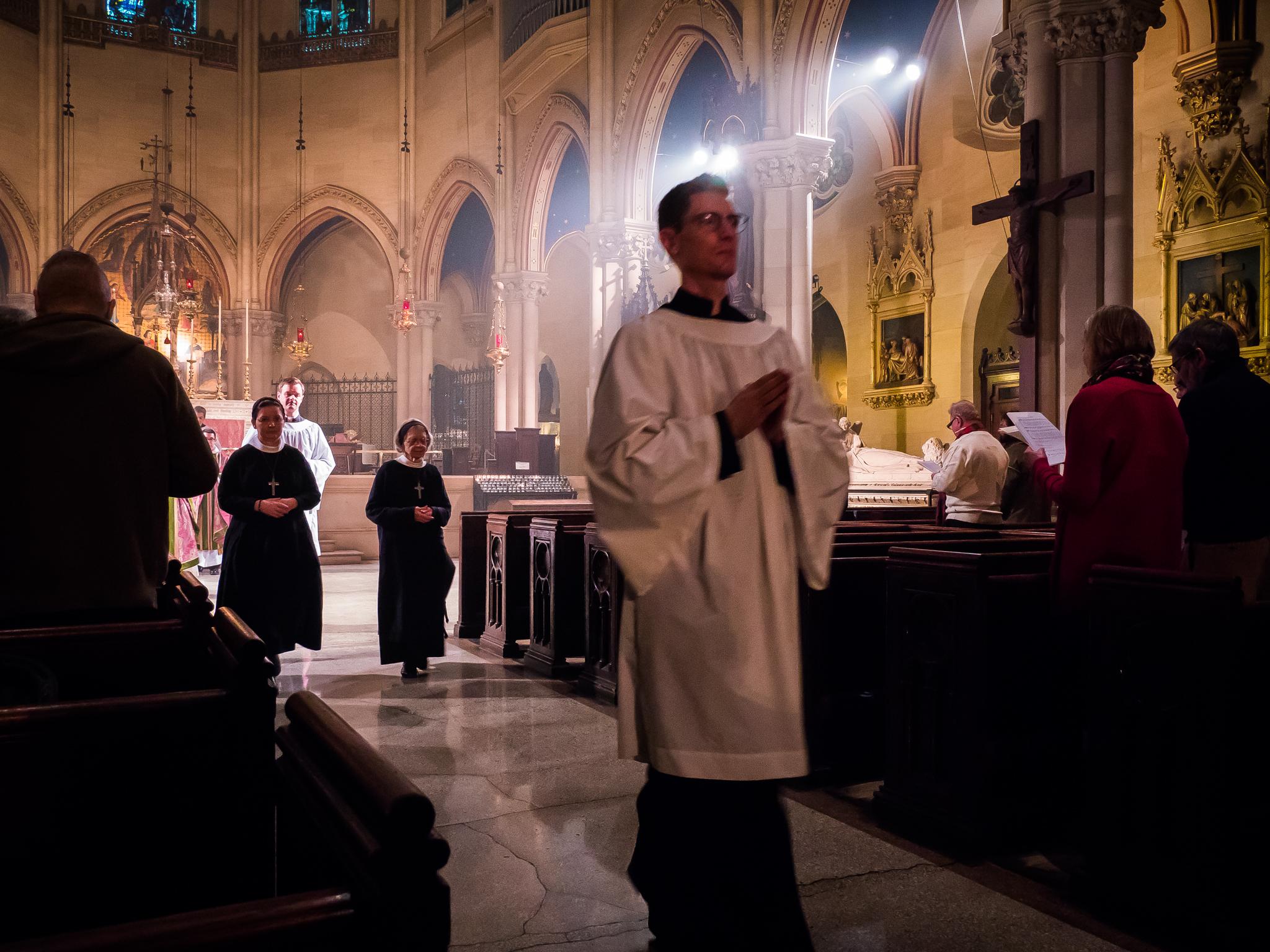 """Let us go forth in the Name of Christ""   Photo: Ricardo Gomez"
