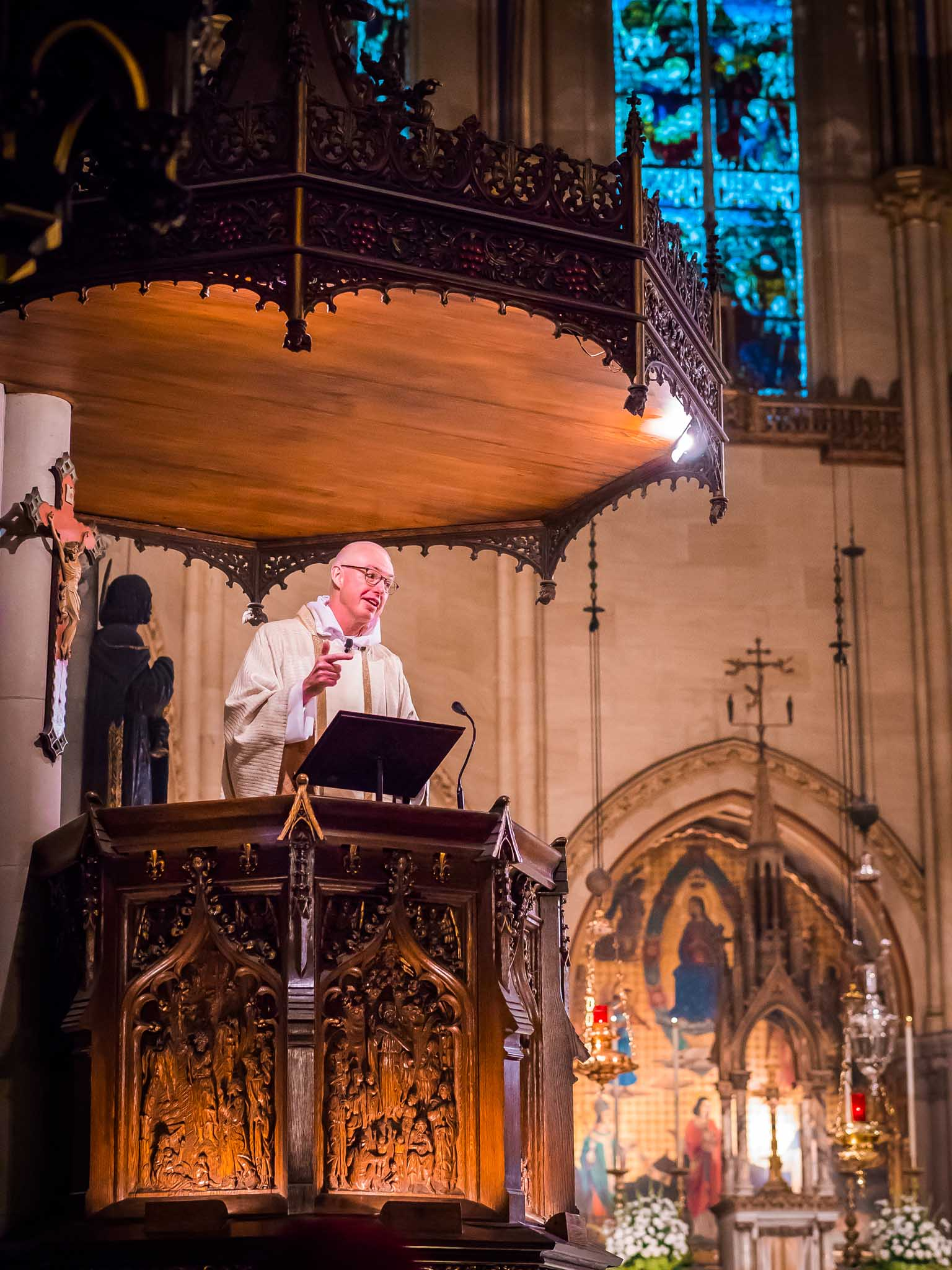 The Rector was celebrant and preacher for the Solemn Mass on the First Sunday after the Epiphany.  Photo by Ricardo Gomez