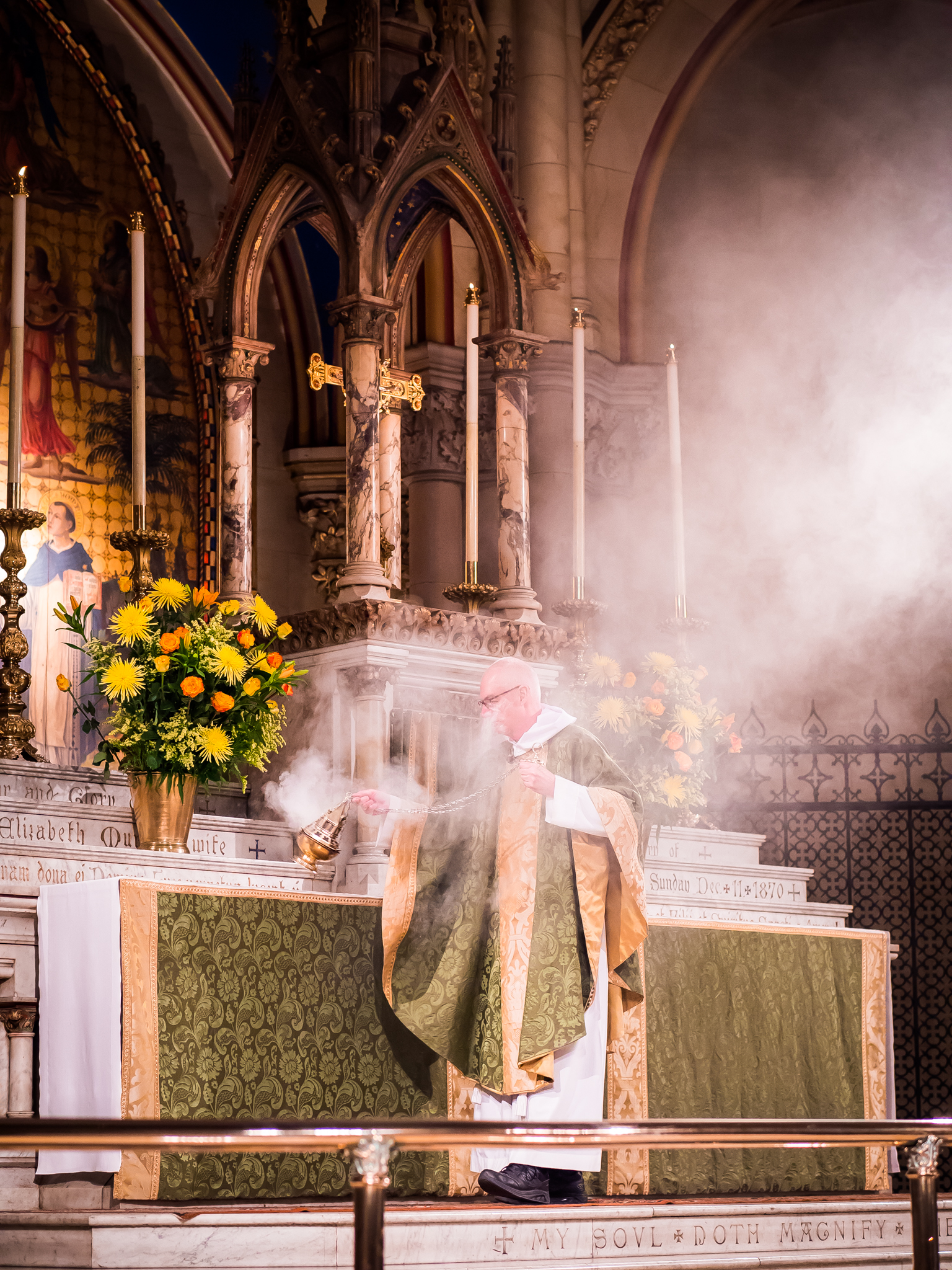 """Incense is offered while the choir sings """"Gloria in excelsis"""" from Missa Aeterna Christi Munera by Palestrina (1525-1594).  Photo by Ricardo Gomez"""