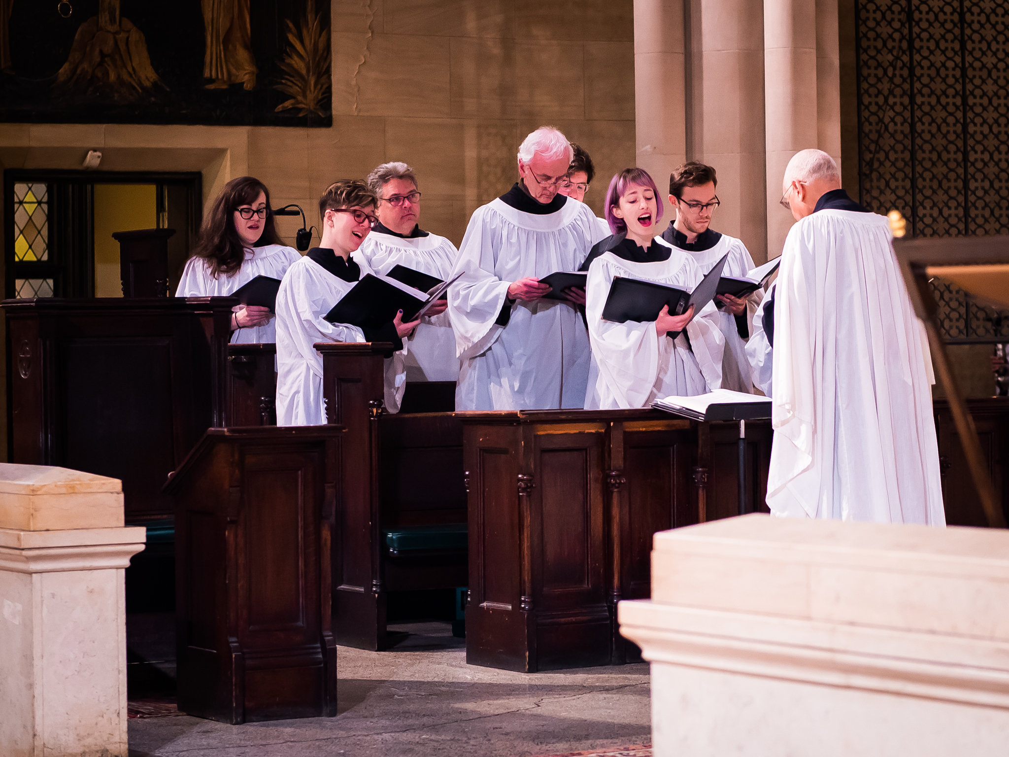 Dr. David Hurd conducts the Choir of St. Mary's.  Photo by Ricardo Gomez