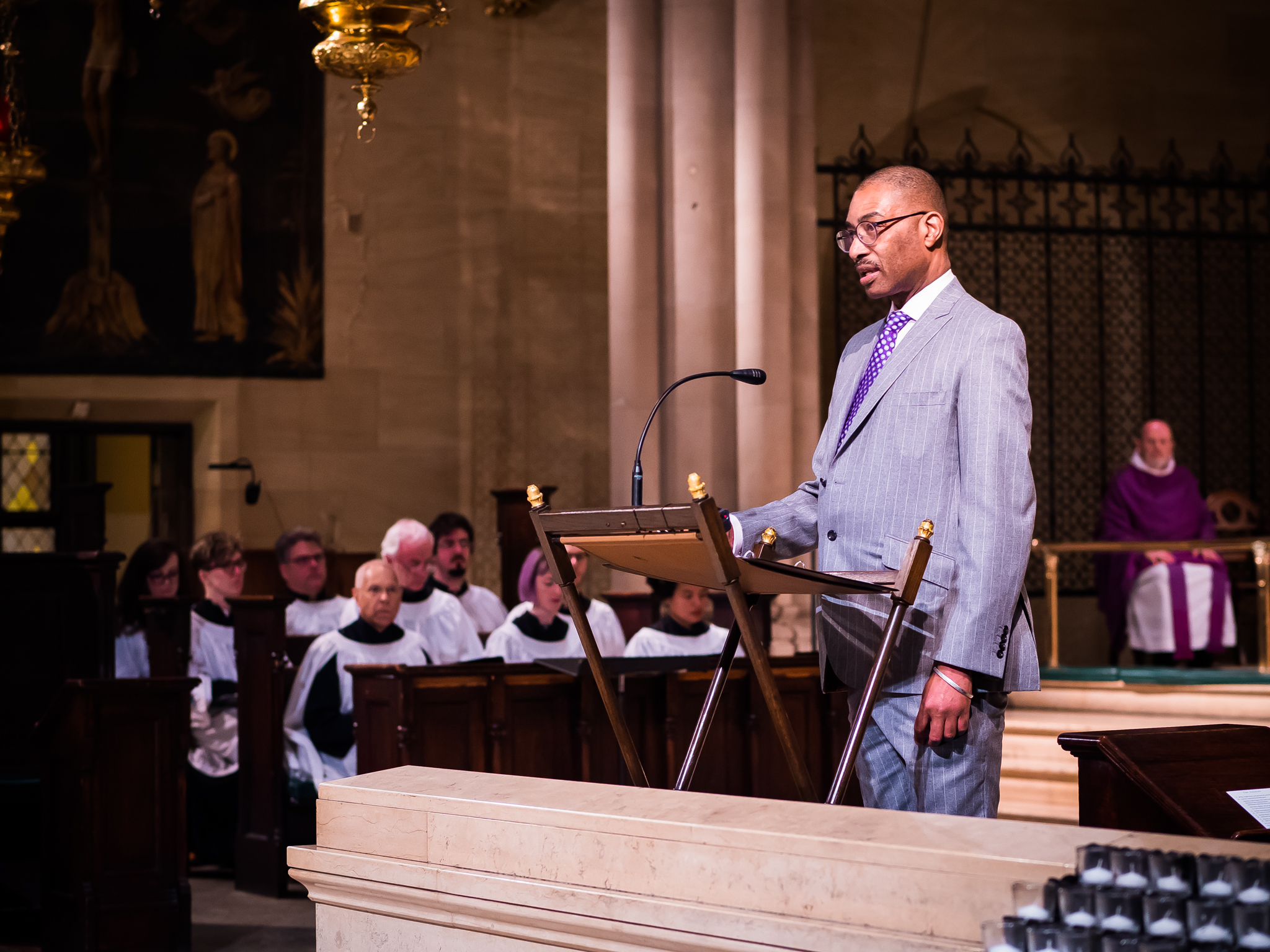 Dr. Charles Morgan read the lessons on Sunday.  Photo by Ricardo Gomez