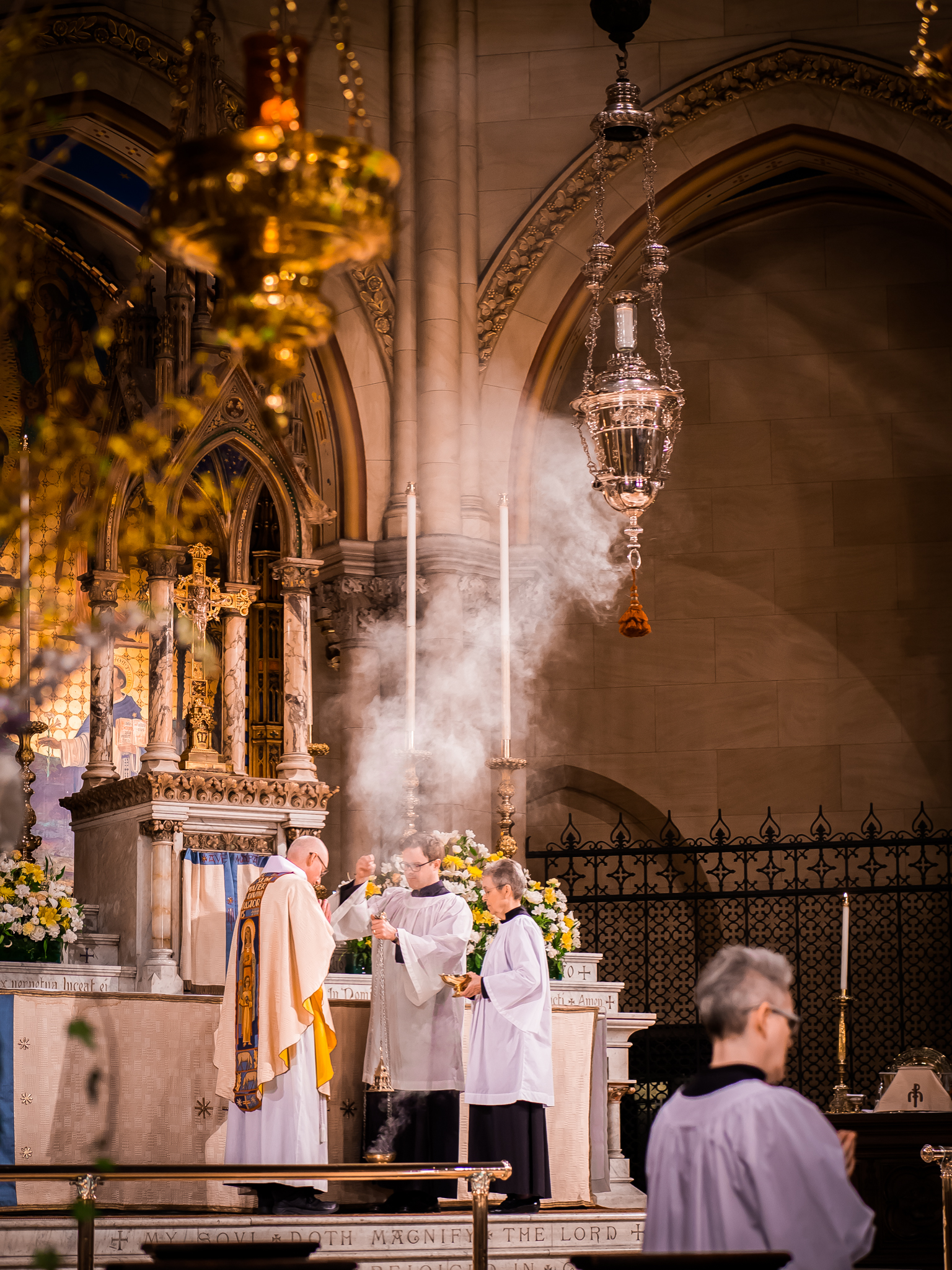 After the opening acclamation, incense is prepared and the altar is censed while the choir sings  Gloria in excelsis.    Photo by Ricardo Gomez