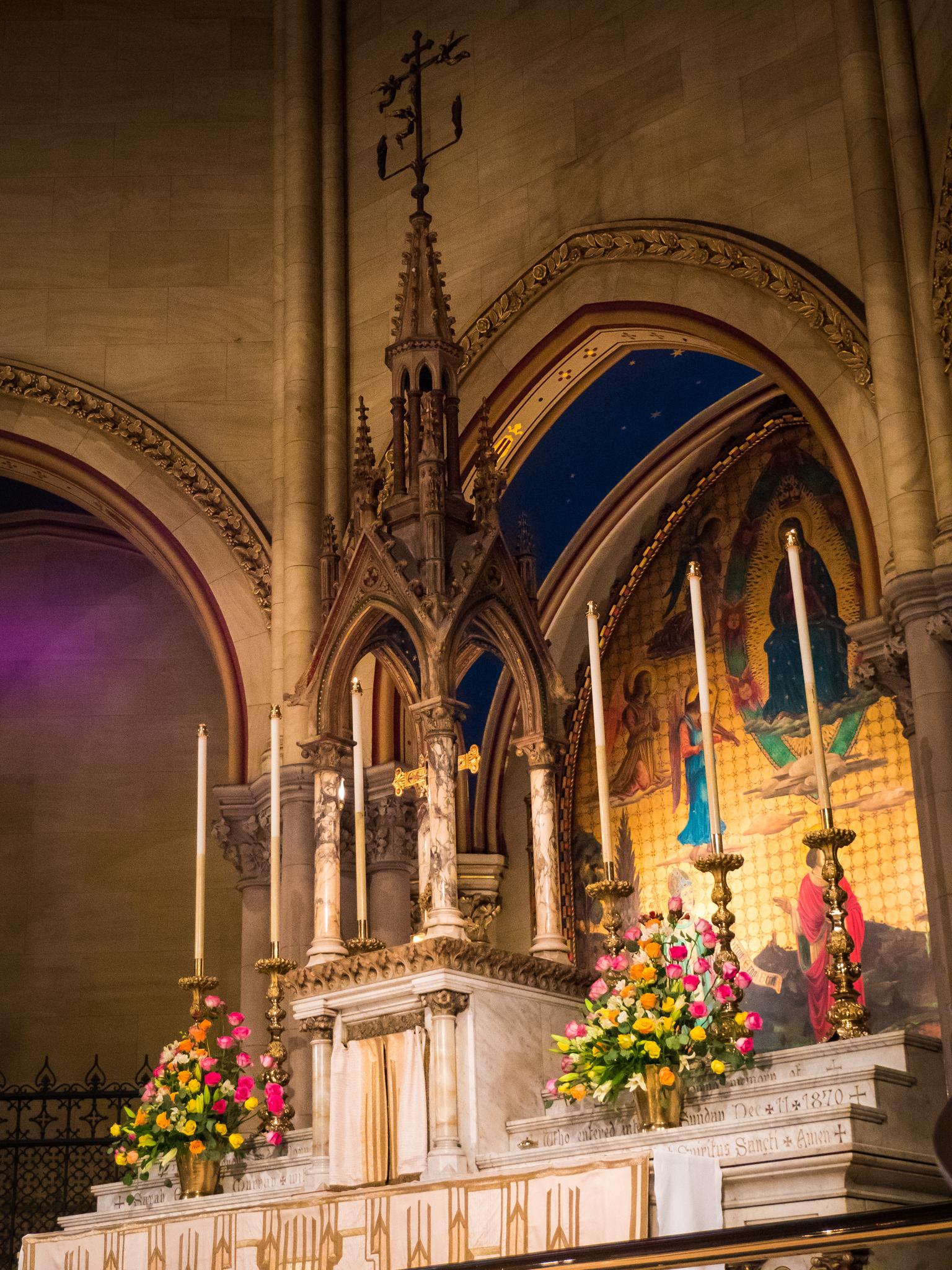 The High Altar, Sunday, April 22, 2018   Photo by Ricardo Gomez