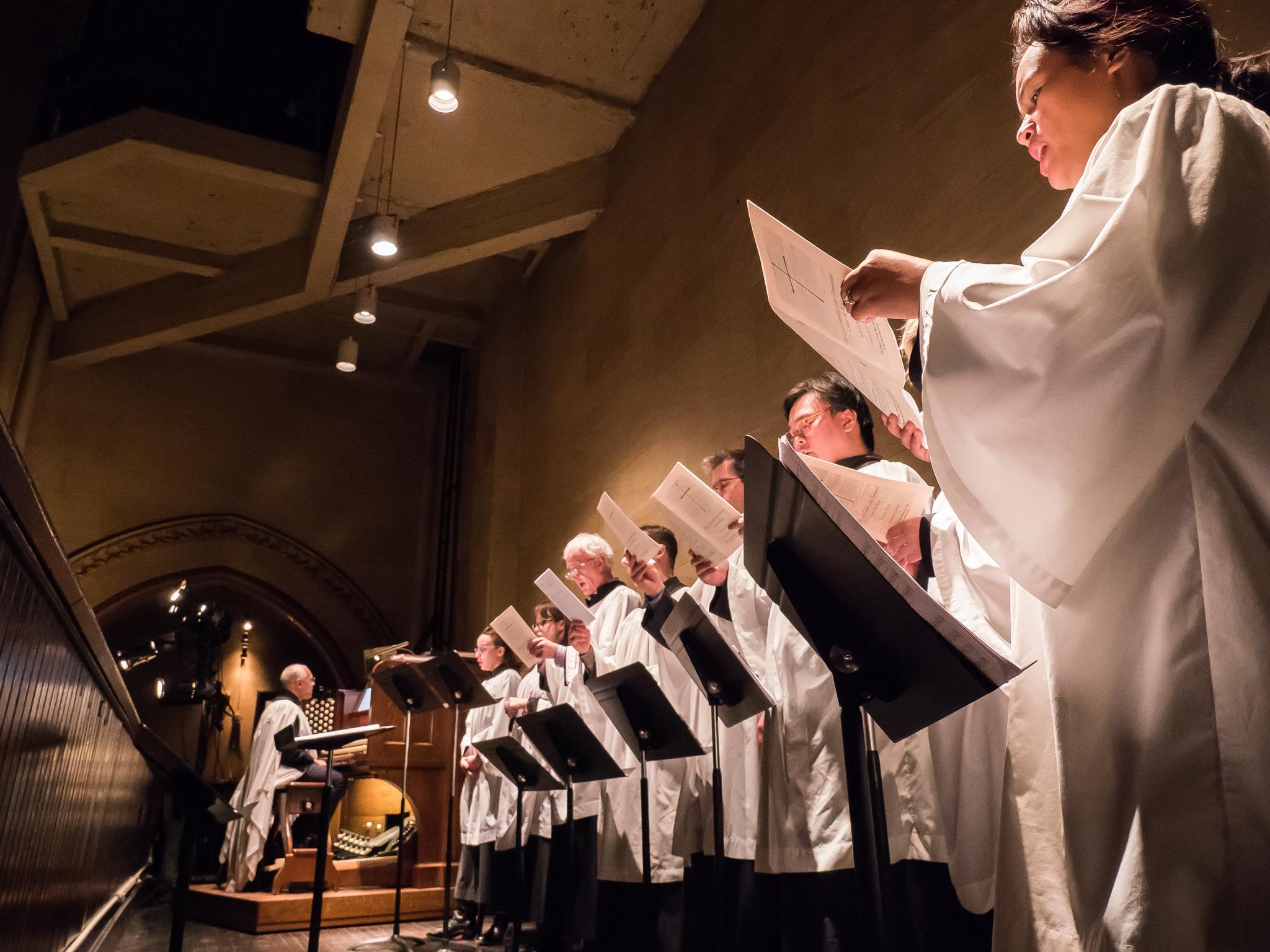 Dr. David Hurd with the Saint Mary's choir  Photo by Ricardo Gomez
