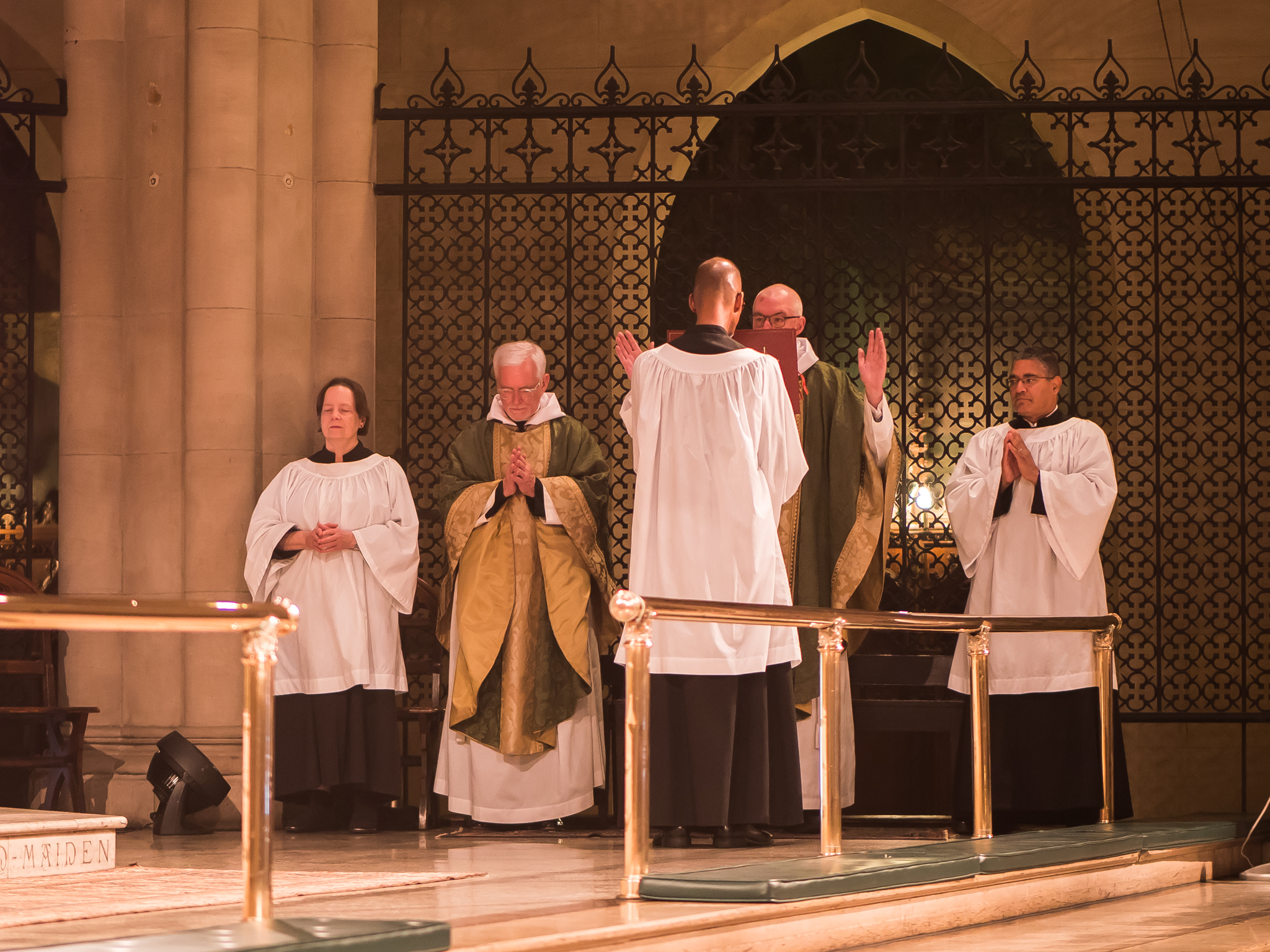 The Collect of the Day is sung by Father Stephen Gerth, celebrant and preacher.  Photo by Ricardo Gomez