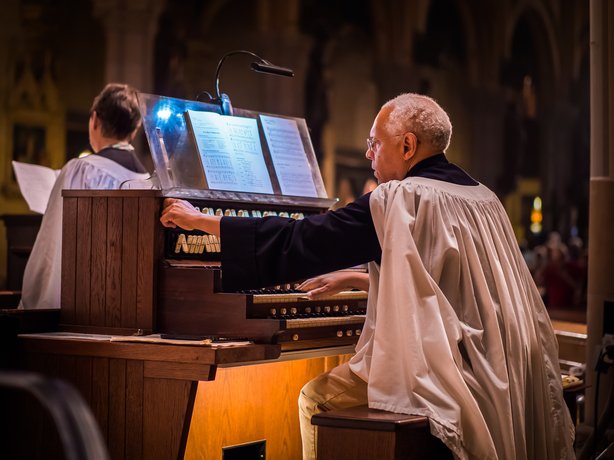 Dr. David Hurd at the chancel console.  Photo by Ricardo Gomez