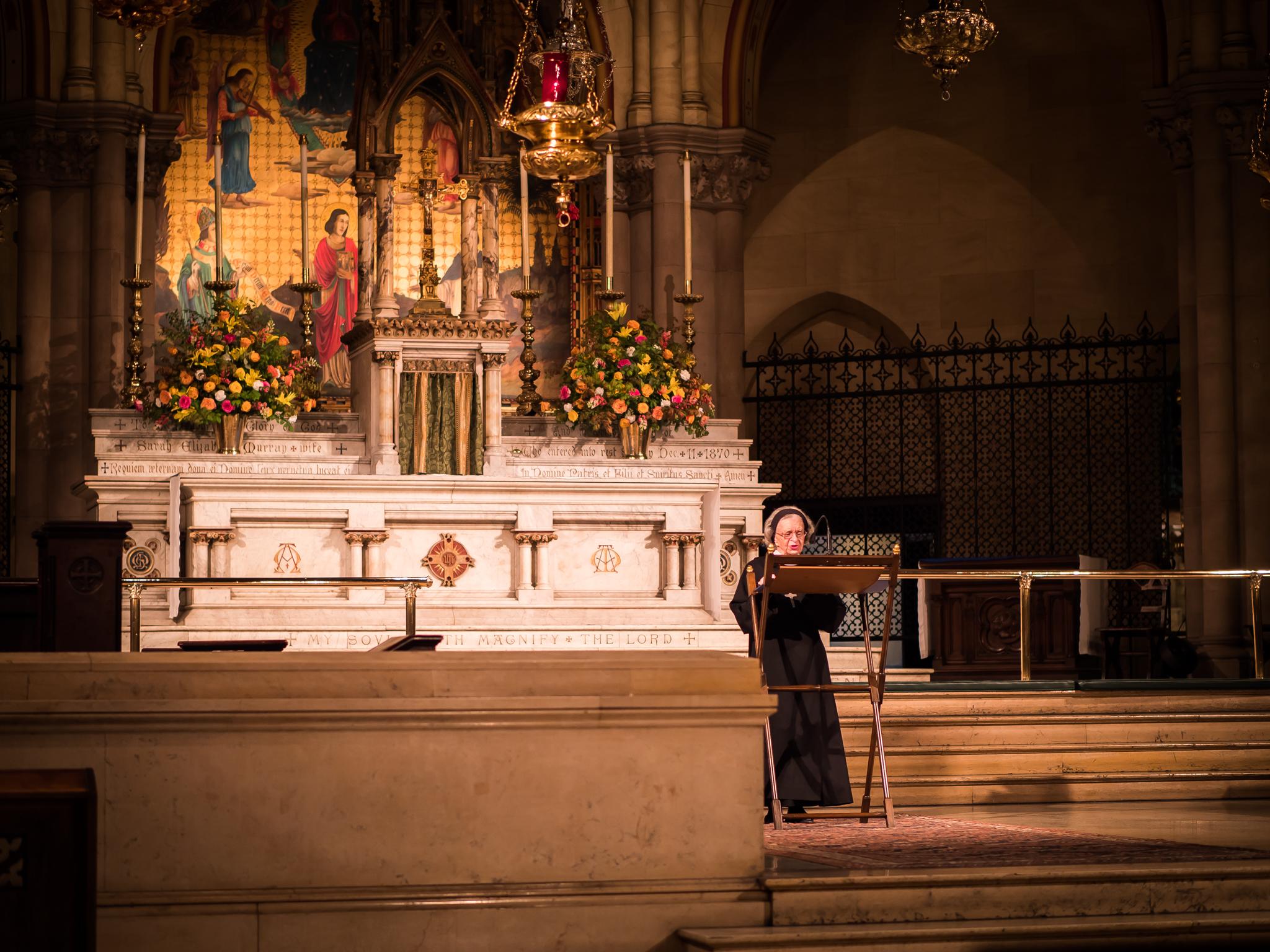 Sr. Laura Katharine, C.S.J.B., was lector at Evening Prayer on Sunday, July 22, 2018.  Photo by Ricardo Gomez