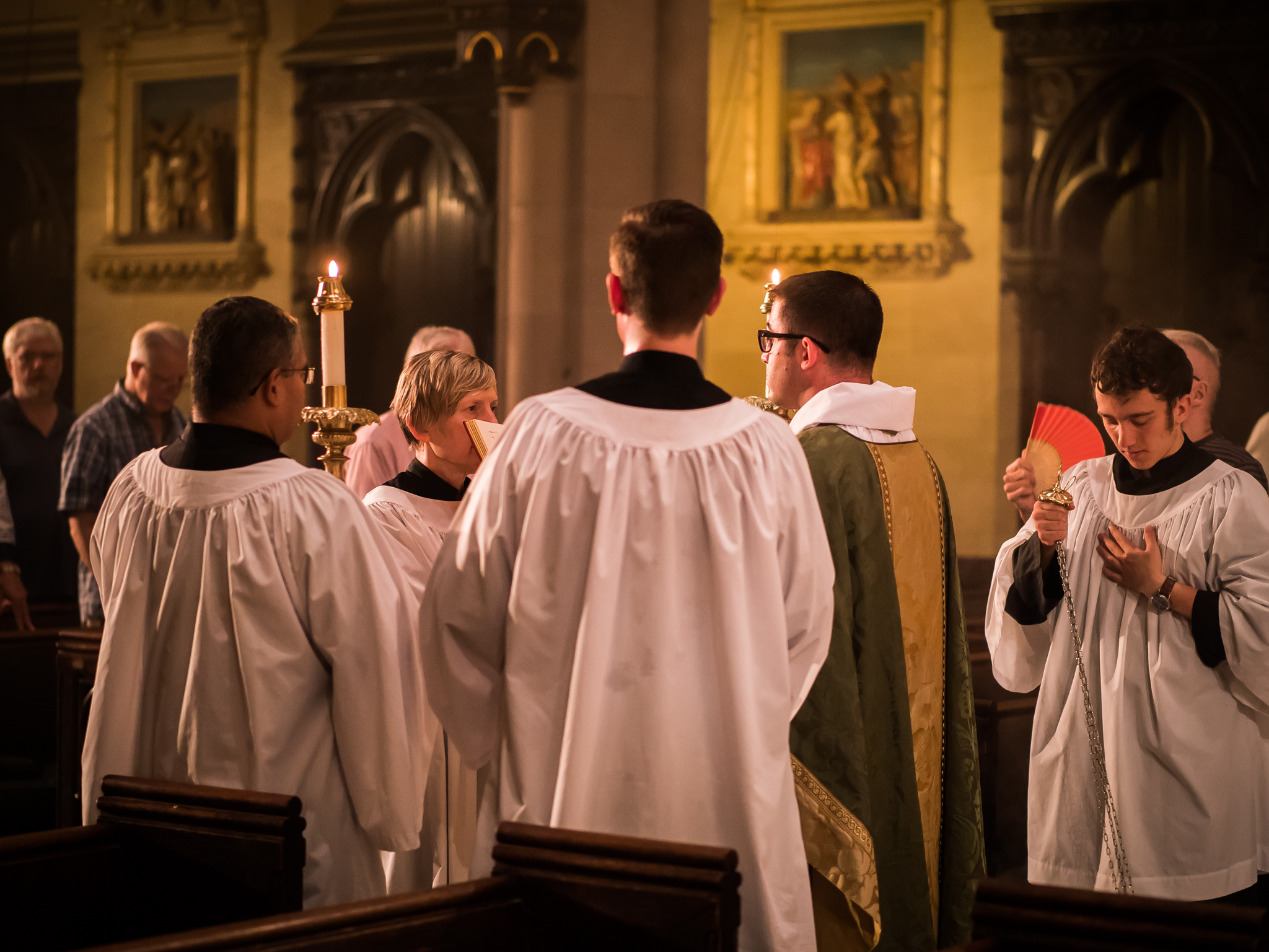 Father Matt Jacobson was gospeller.   Photo by Ricardo Gomez