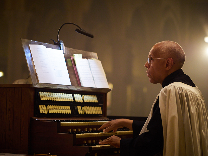 Dr. David Hurd at the chancel console on Sunday  Photo by Ricardo Gomez
