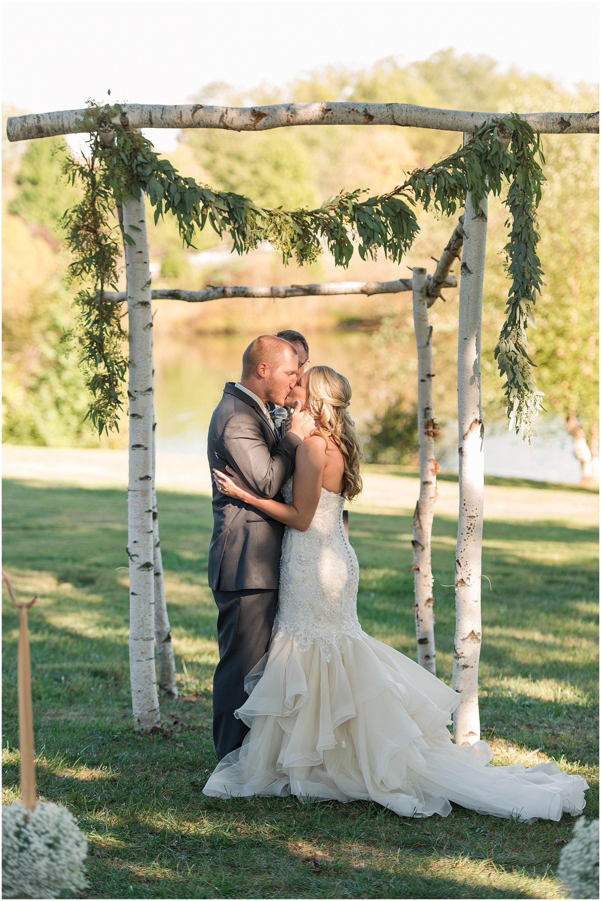Hannah Leigh Photography Blue Hound Farm Wedding_1672.jpg