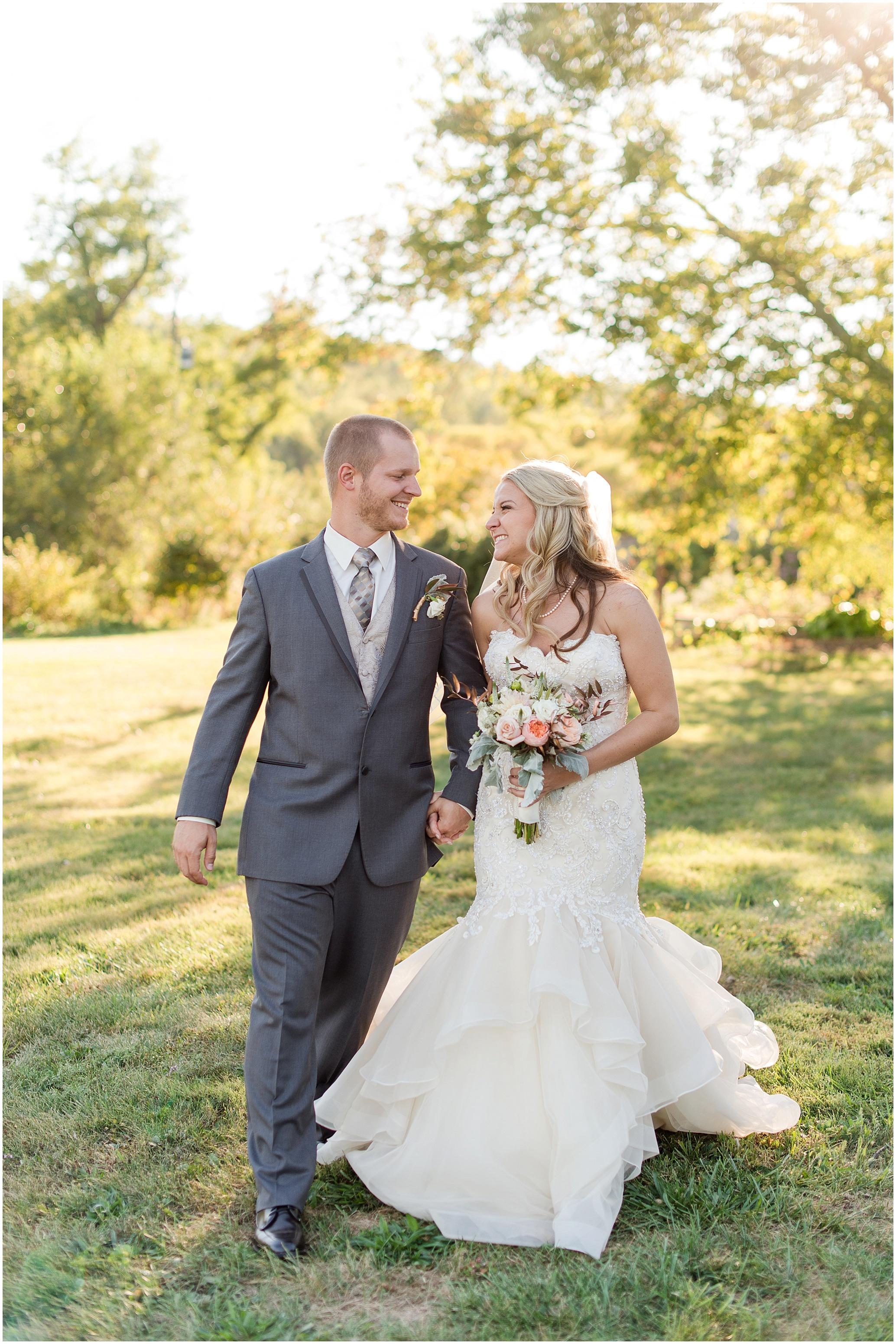 Hannah Leigh Photography Blue Hound Farm Wedding_1684.jpg