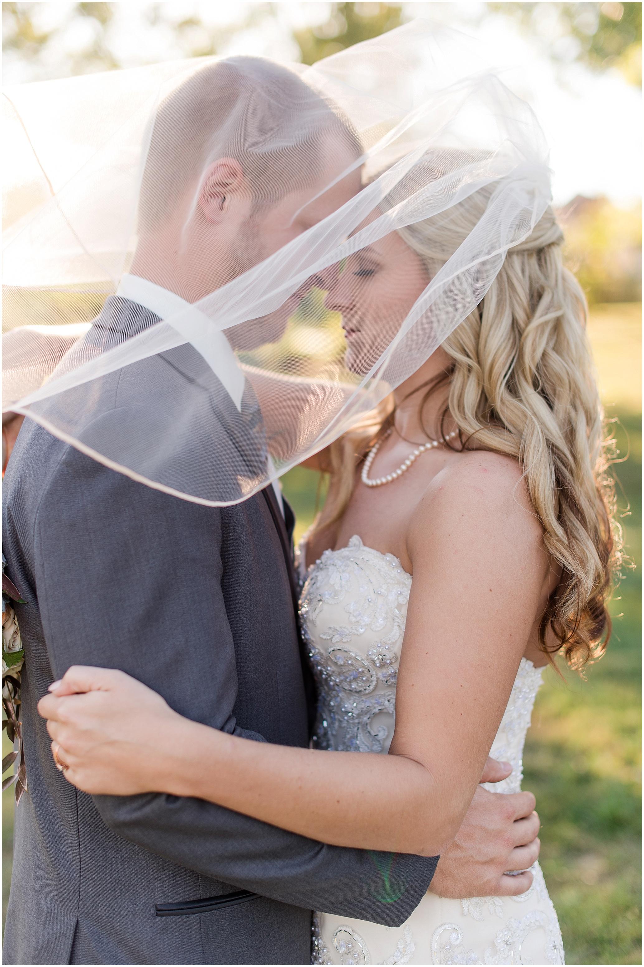 Hannah Leigh Photography Blue Hound Farm Wedding_1688.jpg