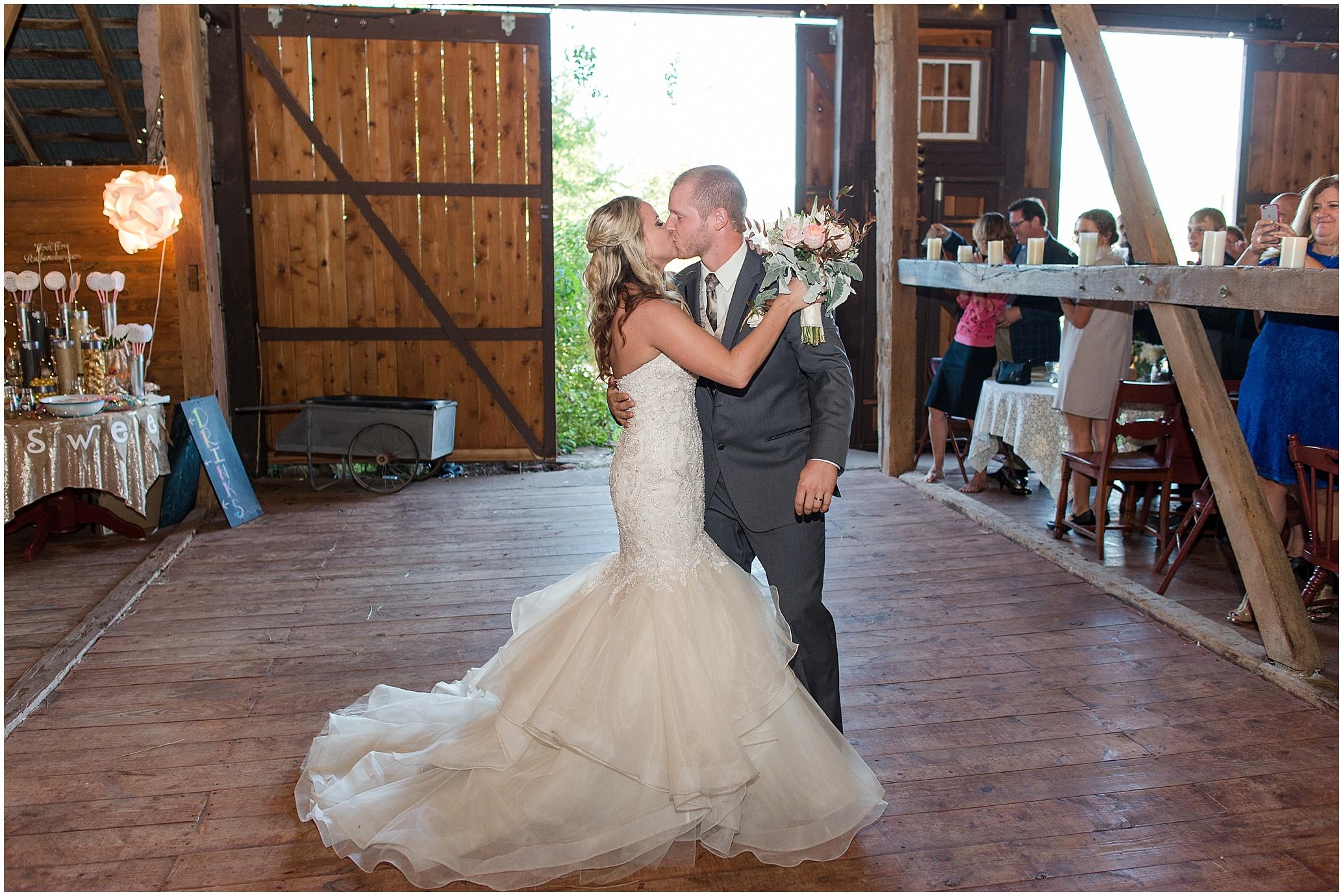 Hannah Leigh Photography Blue Hound Farm Wedding_1734.jpg