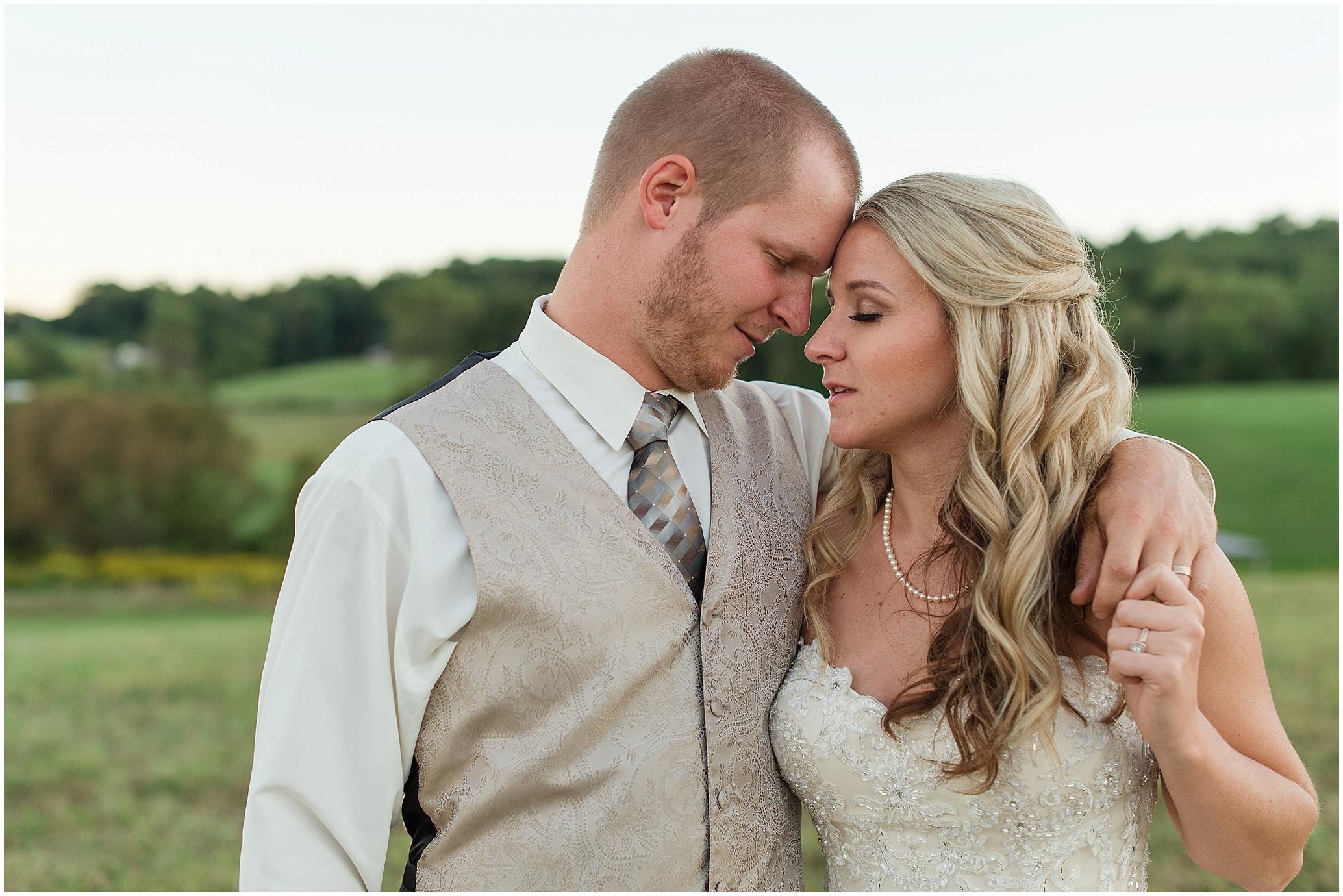 Hannah Leigh Photography Blue Hound Farm Wedding_1755.jpg