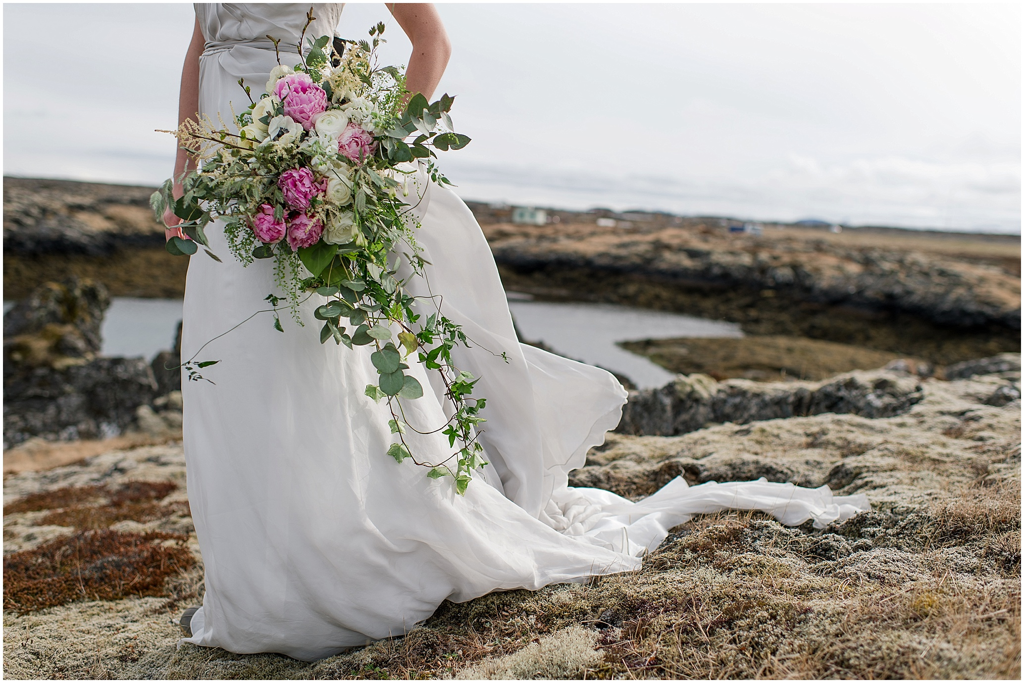 Hannah Leigh Photography Reykjavik Iceland Ivy and Aster Bridals_2850.jpg